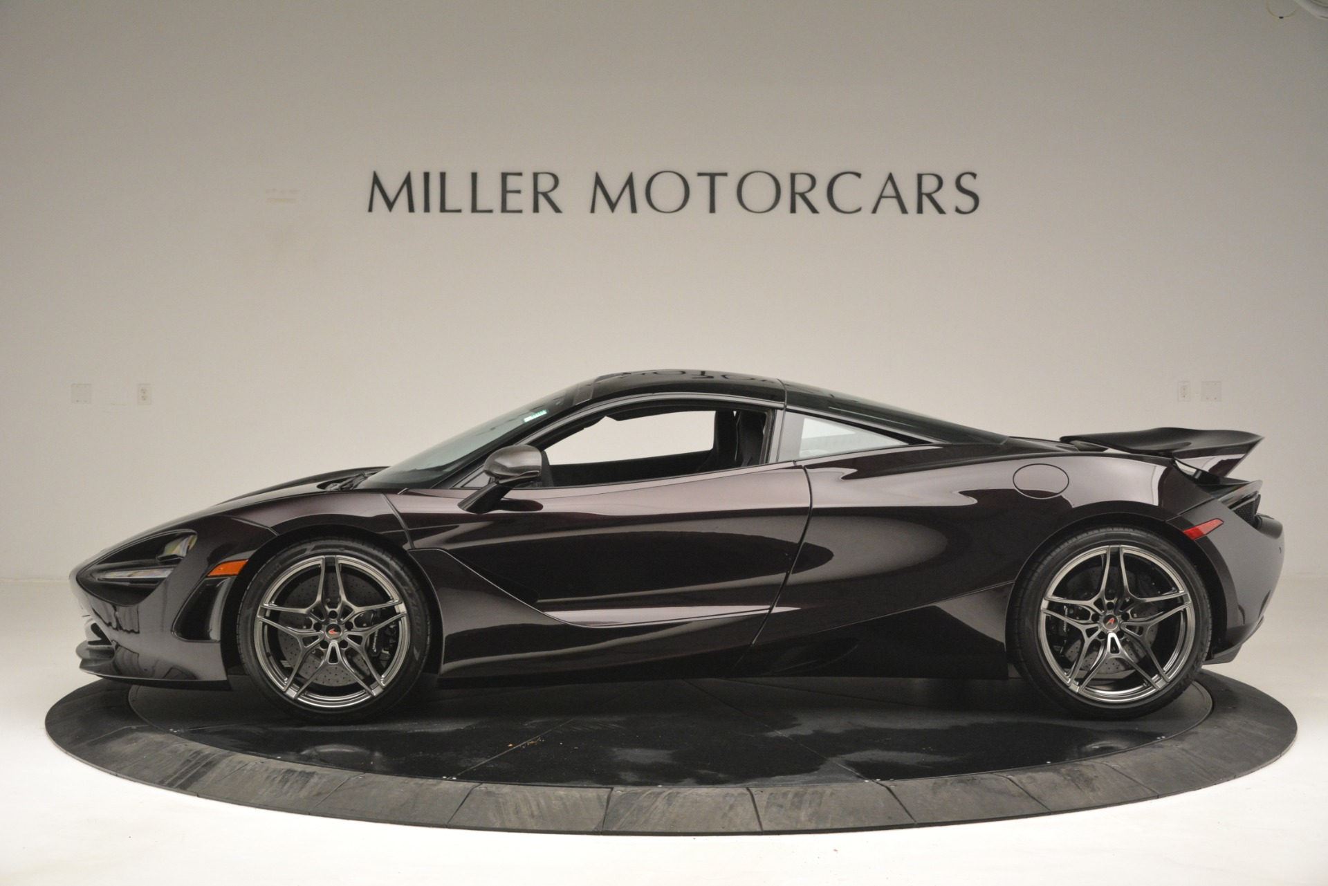 Used 2018 McLaren 720S Coupe For Sale In Greenwich, CT 2952_p3