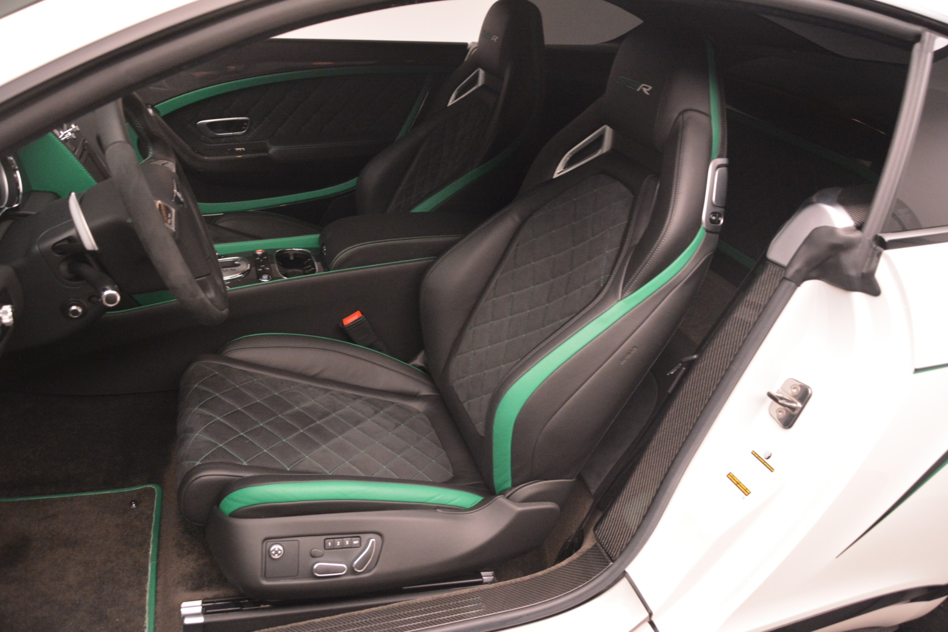Used 2015 Bentley Continental GT GT3-R For Sale In Greenwich, CT 2957_p20