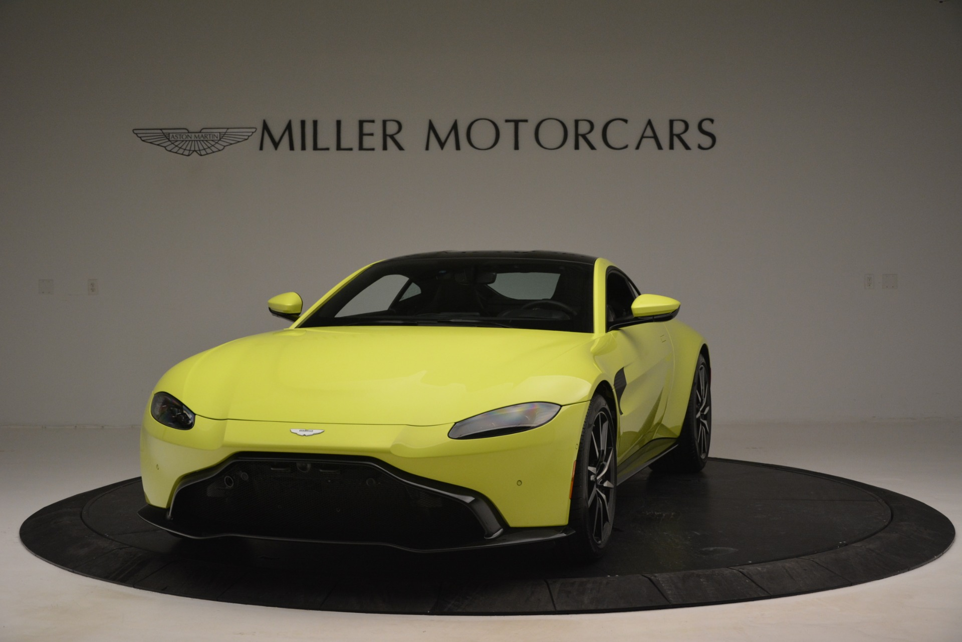 Used 2019 Aston Martin Vantage  For Sale In Greenwich, CT 2958_main