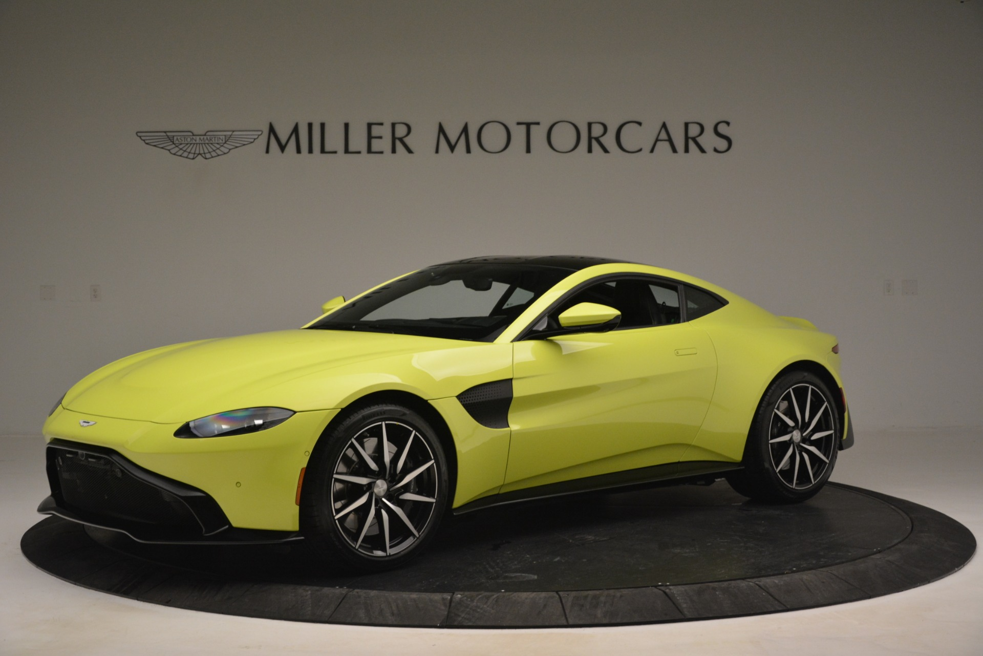 Used 2019 Aston Martin Vantage  For Sale In Greenwich, CT 2958_p2