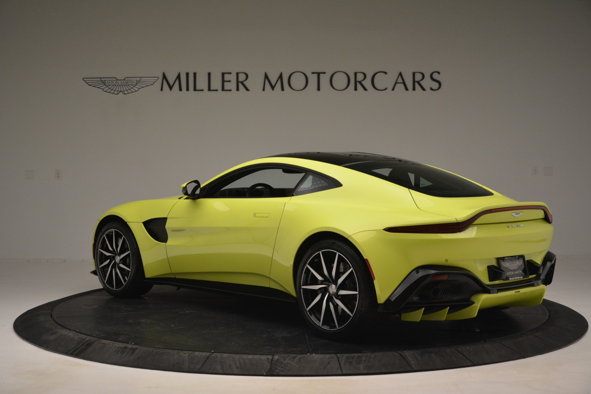 Used 2019 Aston Martin Vantage  For Sale In Greenwich, CT 2958_p4