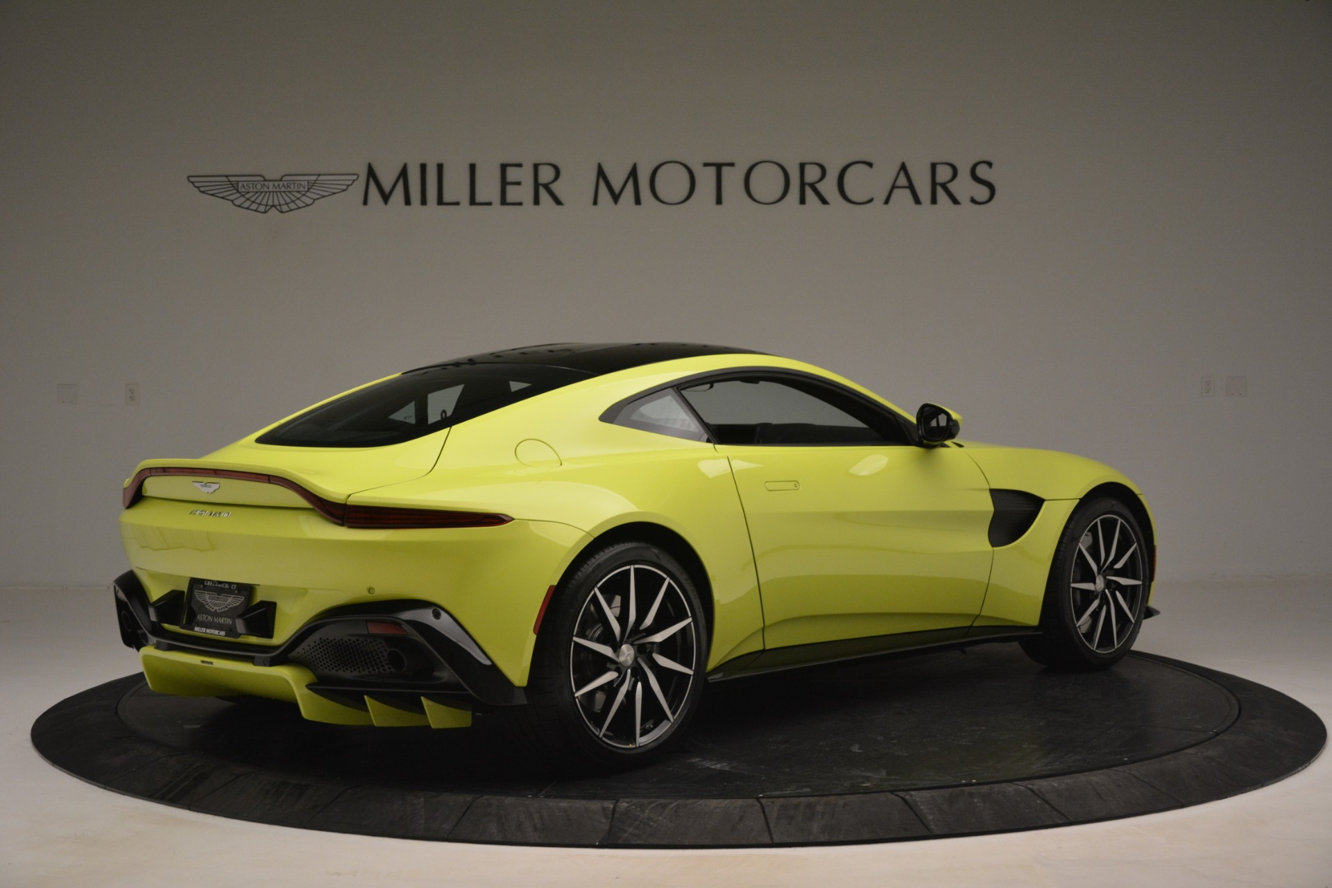 Used 2019 Aston Martin Vantage  For Sale In Greenwich, CT 2958_p8
