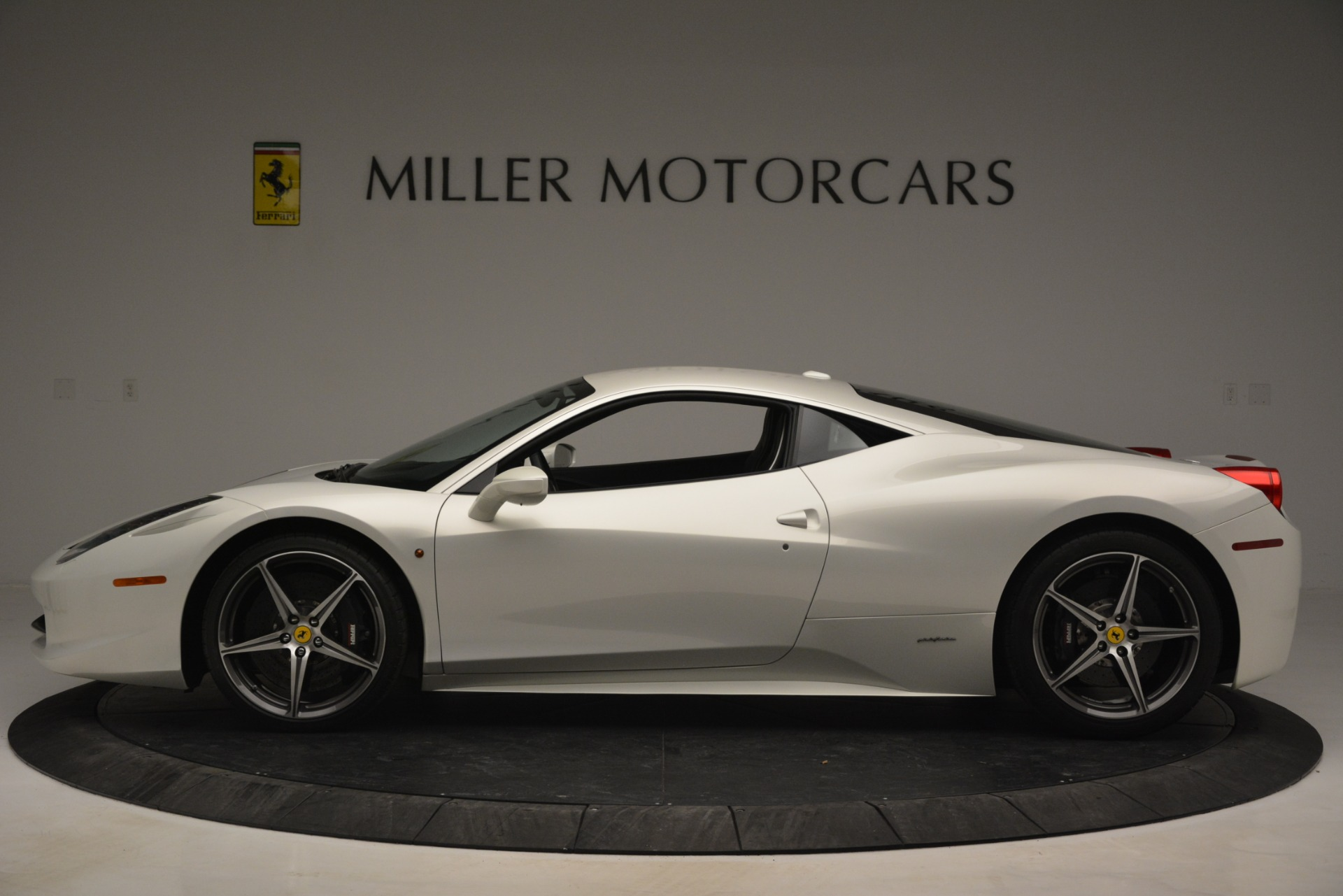 Used 2014 Ferrari 458 Italia  For Sale In Greenwich, CT 2959_p3