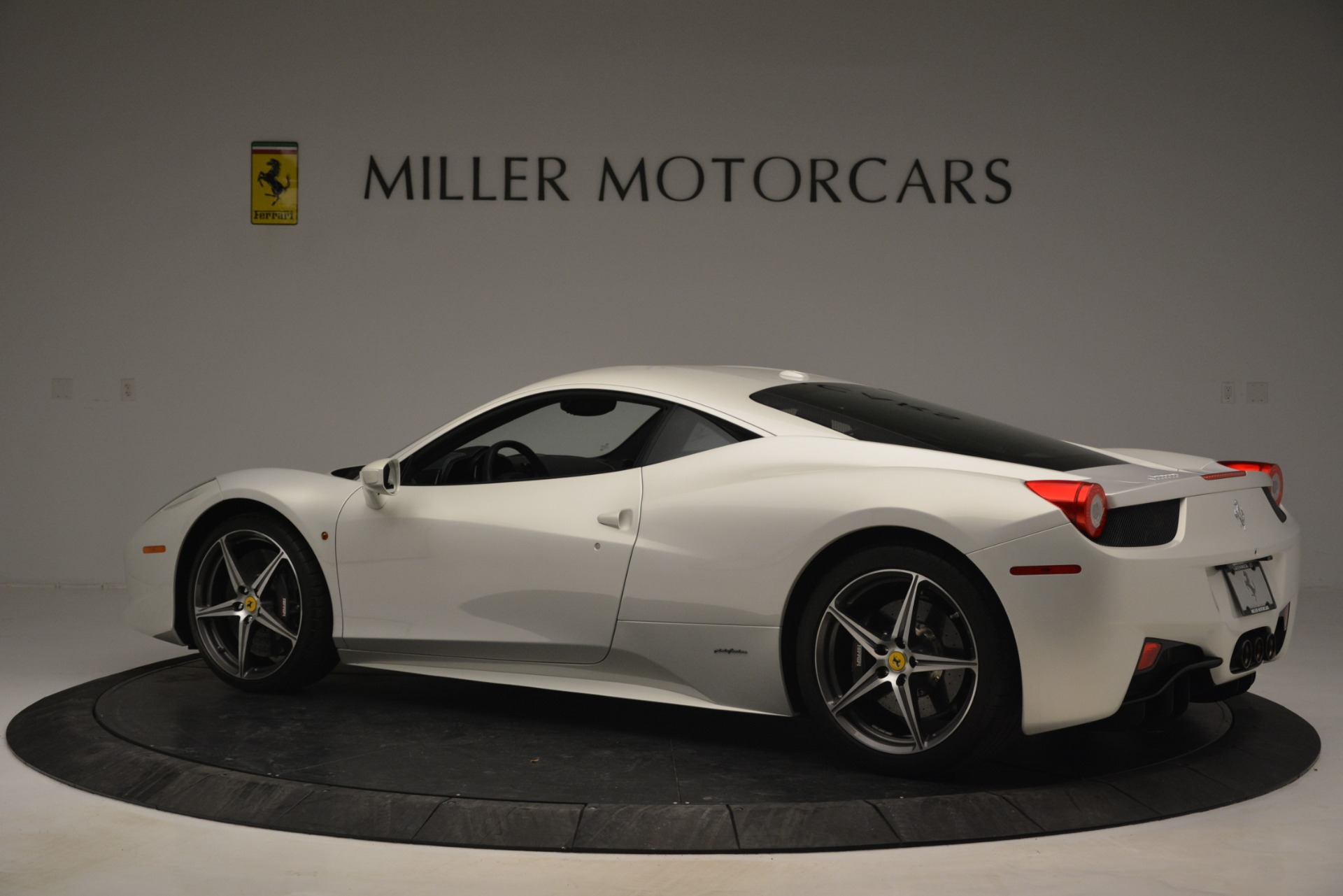 Used 2014 Ferrari 458 Italia  For Sale In Greenwich, CT 2959_p4