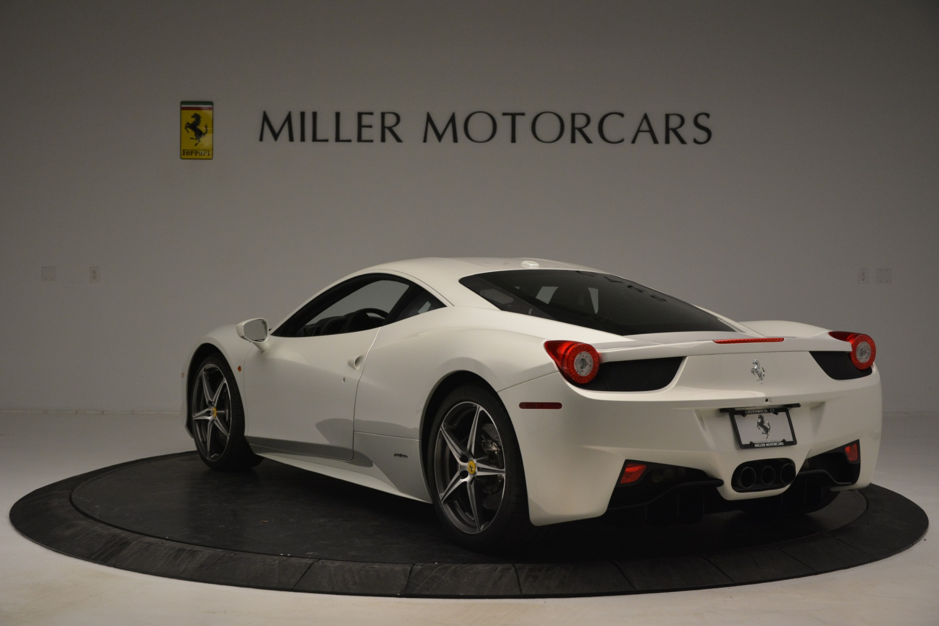 Used 2014 Ferrari 458 Italia  For Sale In Greenwich, CT 2959_p5