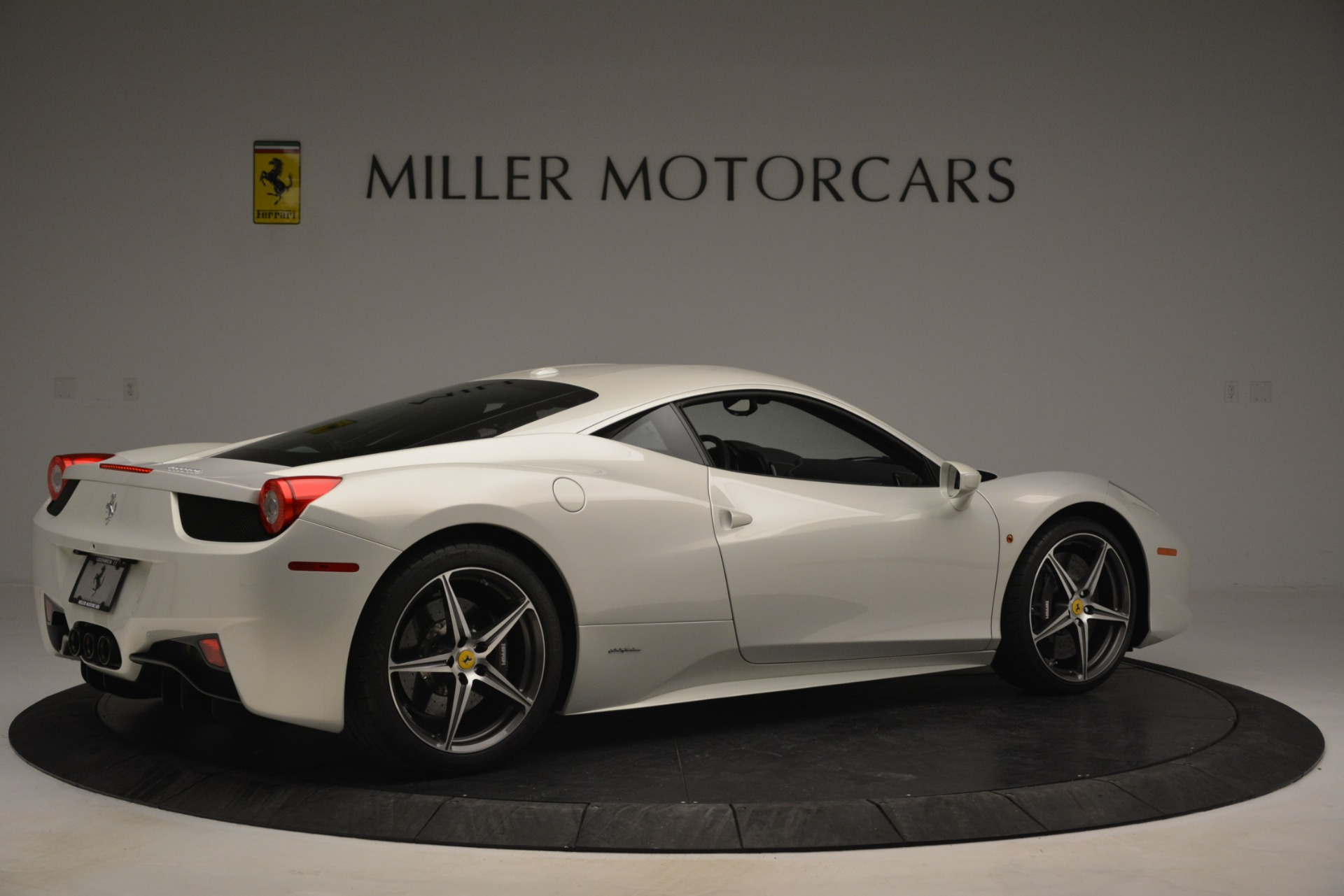 Used 2014 Ferrari 458 Italia  For Sale In Greenwich, CT 2959_p8