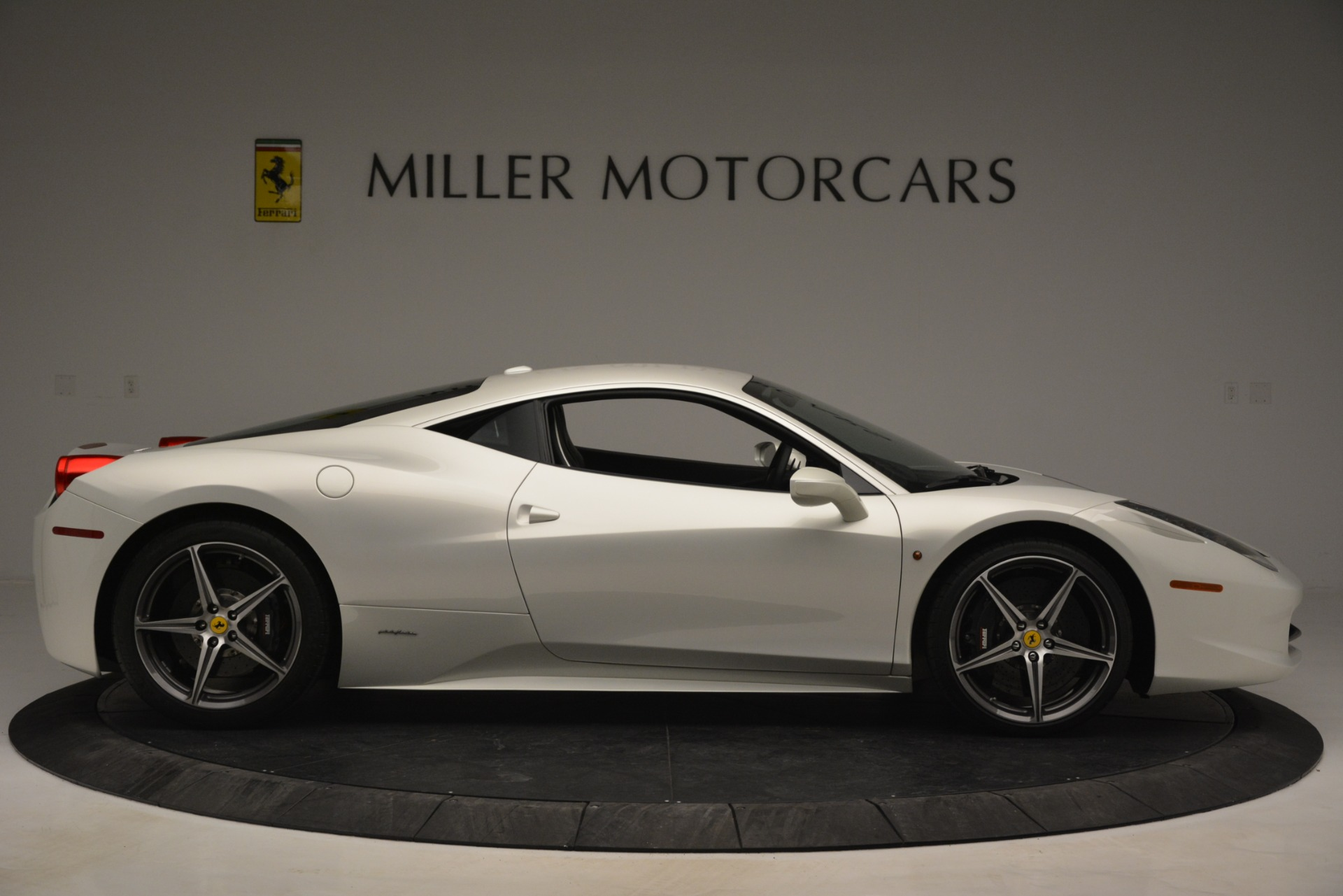 Used 2014 Ferrari 458 Italia  For Sale In Greenwich, CT 2959_p9