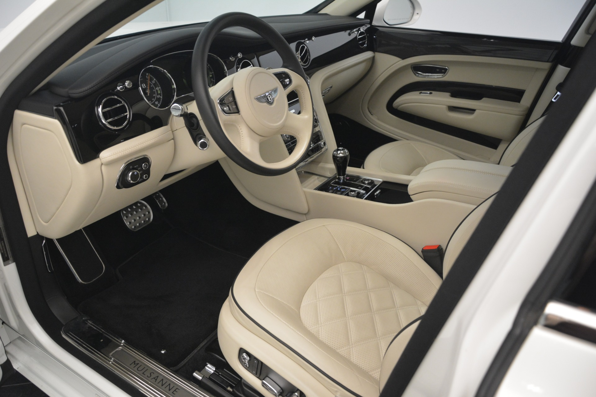 Used 2016 Bentley Mulsanne Speed For Sale In Greenwich, CT 2960_p17