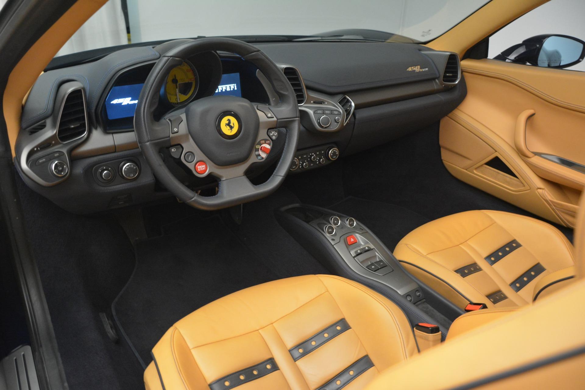 Used 2014 Ferrari 458 Spider  For Sale In Greenwich, CT 2964_p25
