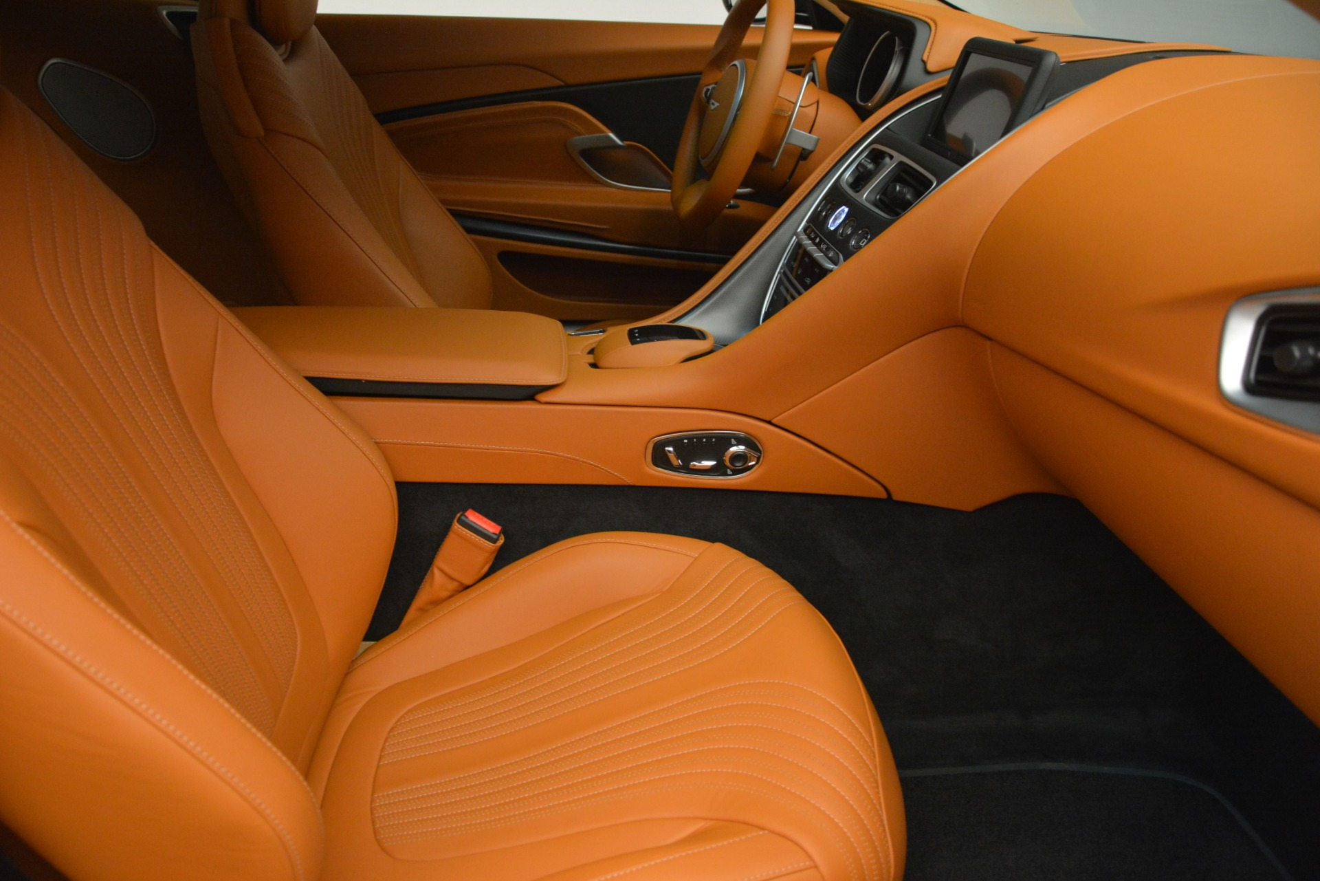 Used 2018 Aston Martin DB11 V12 Coupe For Sale In Greenwich, CT 2969_p21