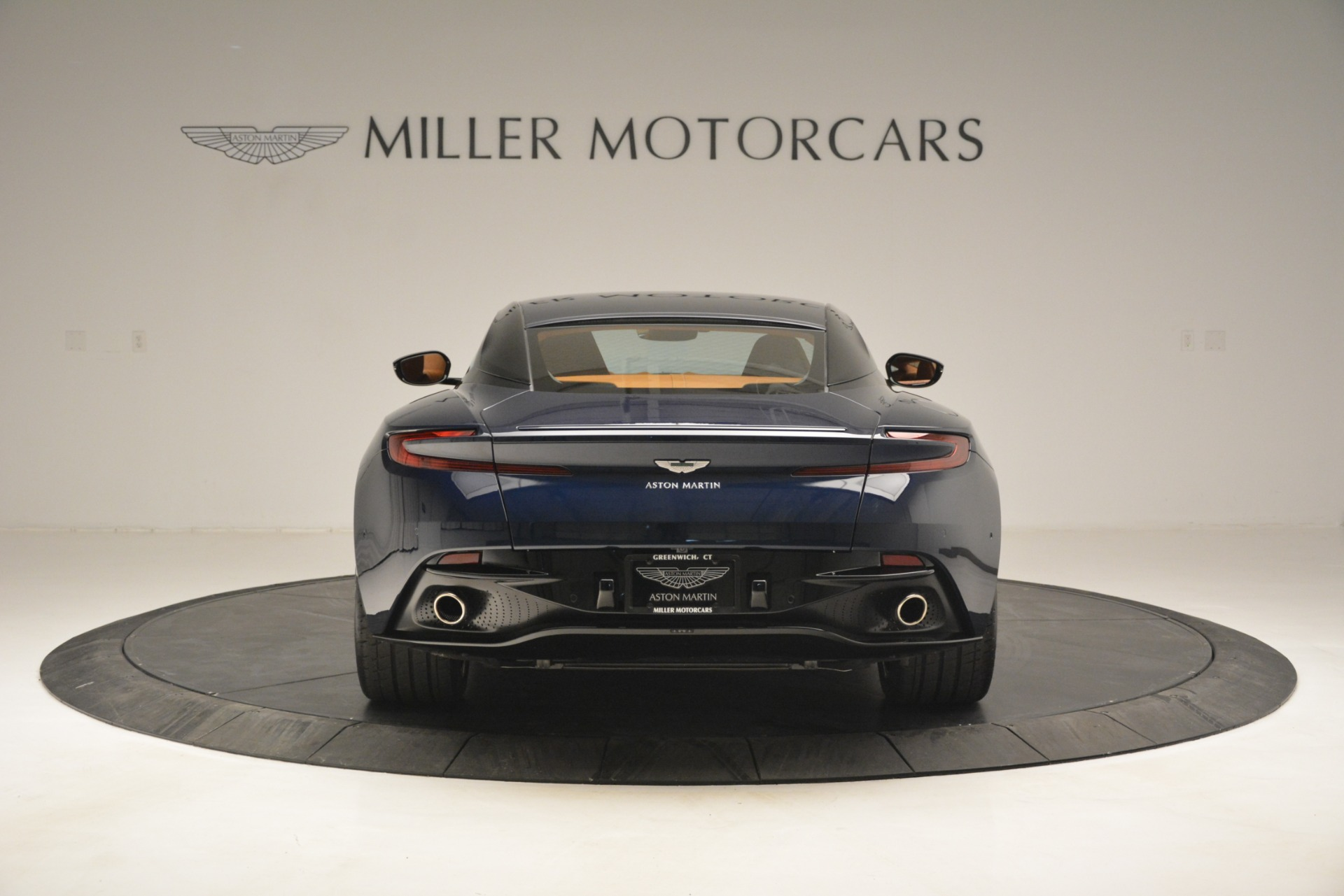 Used 2018 Aston Martin DB11 V12 Coupe For Sale In Greenwich, CT 2969_p6