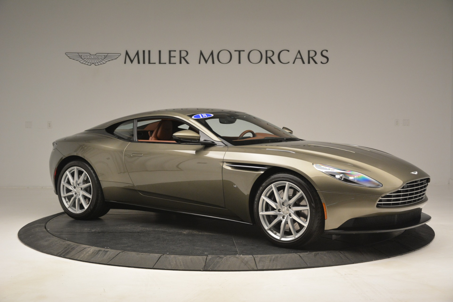 Used 2018 Aston Martin DB11 V12 Coupe For Sale In Greenwich, CT 2970_p10