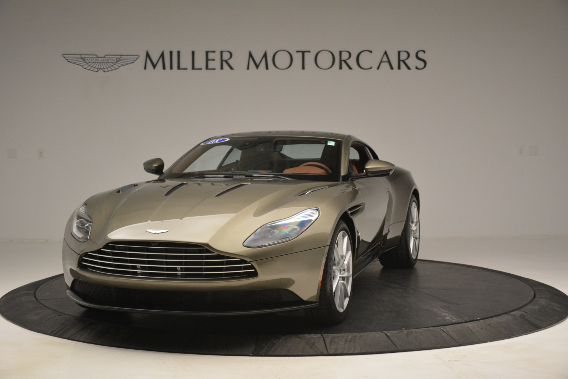 Used 2018 Aston Martin DB11 V12 Coupe For Sale In Greenwich, CT 2970_p2