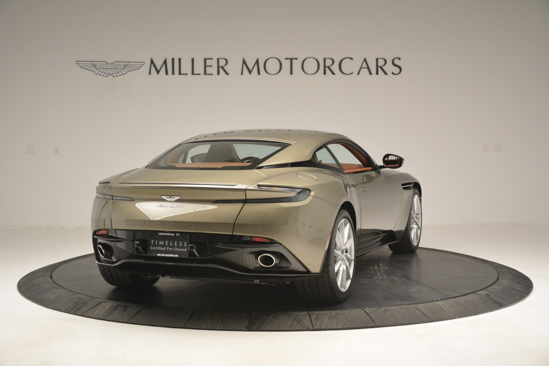 Used 2018 Aston Martin DB11 V12 Coupe For Sale In Greenwich, CT 2970_p7
