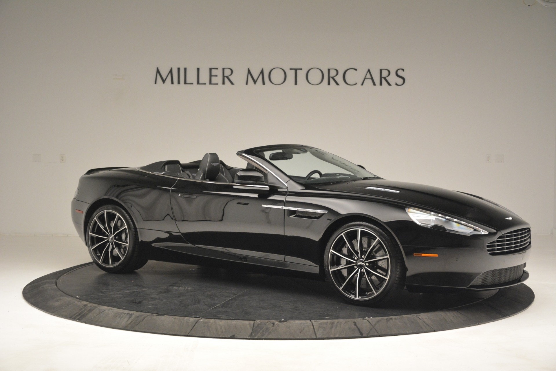 Used 2016 Aston Martin DB9 Convertible For Sale In Greenwich, CT 2971_p10