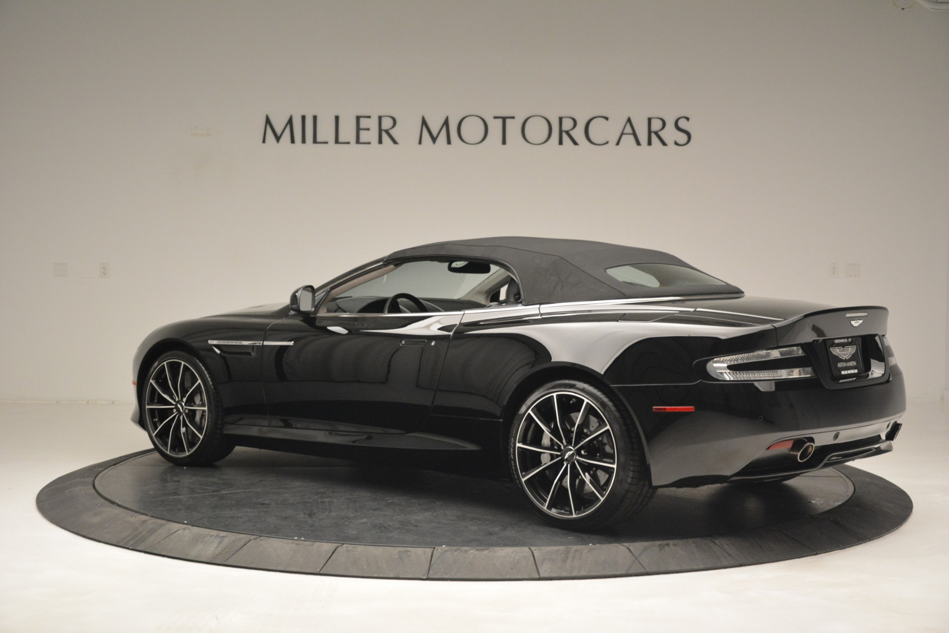 Used 2016 Aston Martin DB9 Convertible For Sale In Greenwich, CT 2971_p26