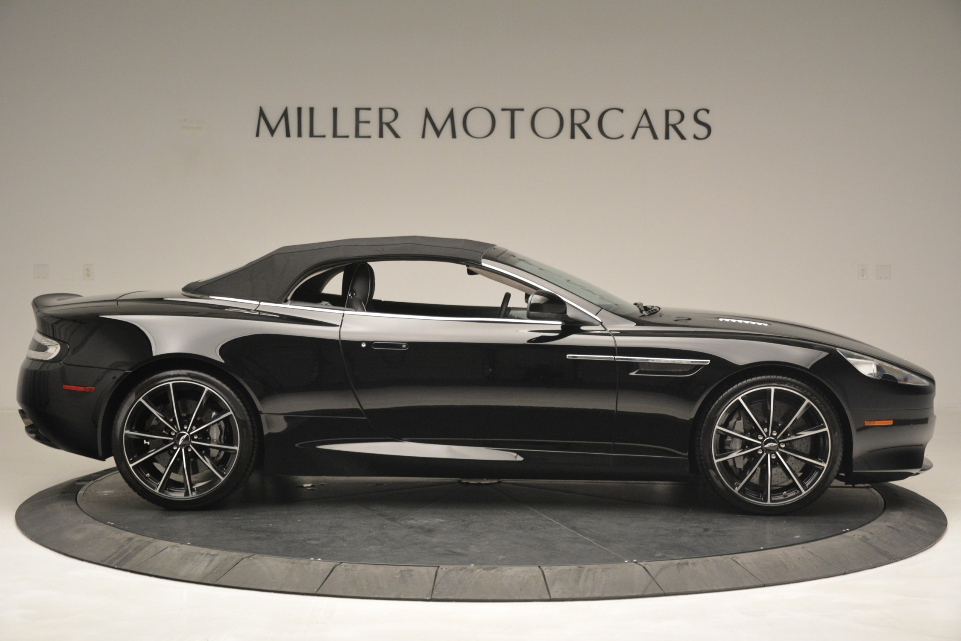 Used 2016 Aston Martin DB9 Convertible For Sale In Greenwich, CT 2971_p31