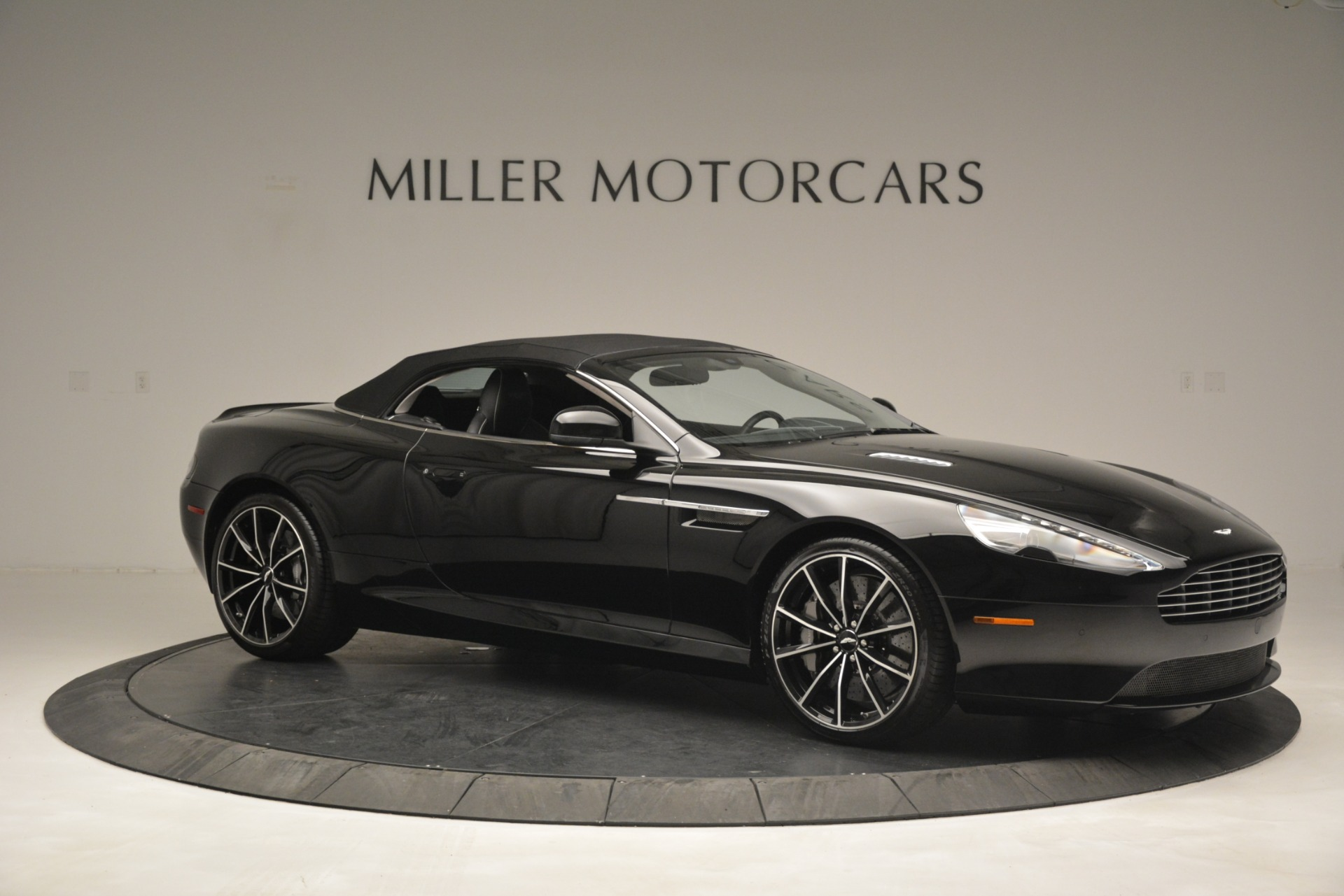 Used 2016 Aston Martin DB9 Convertible For Sale In Greenwich, CT 2971_p32
