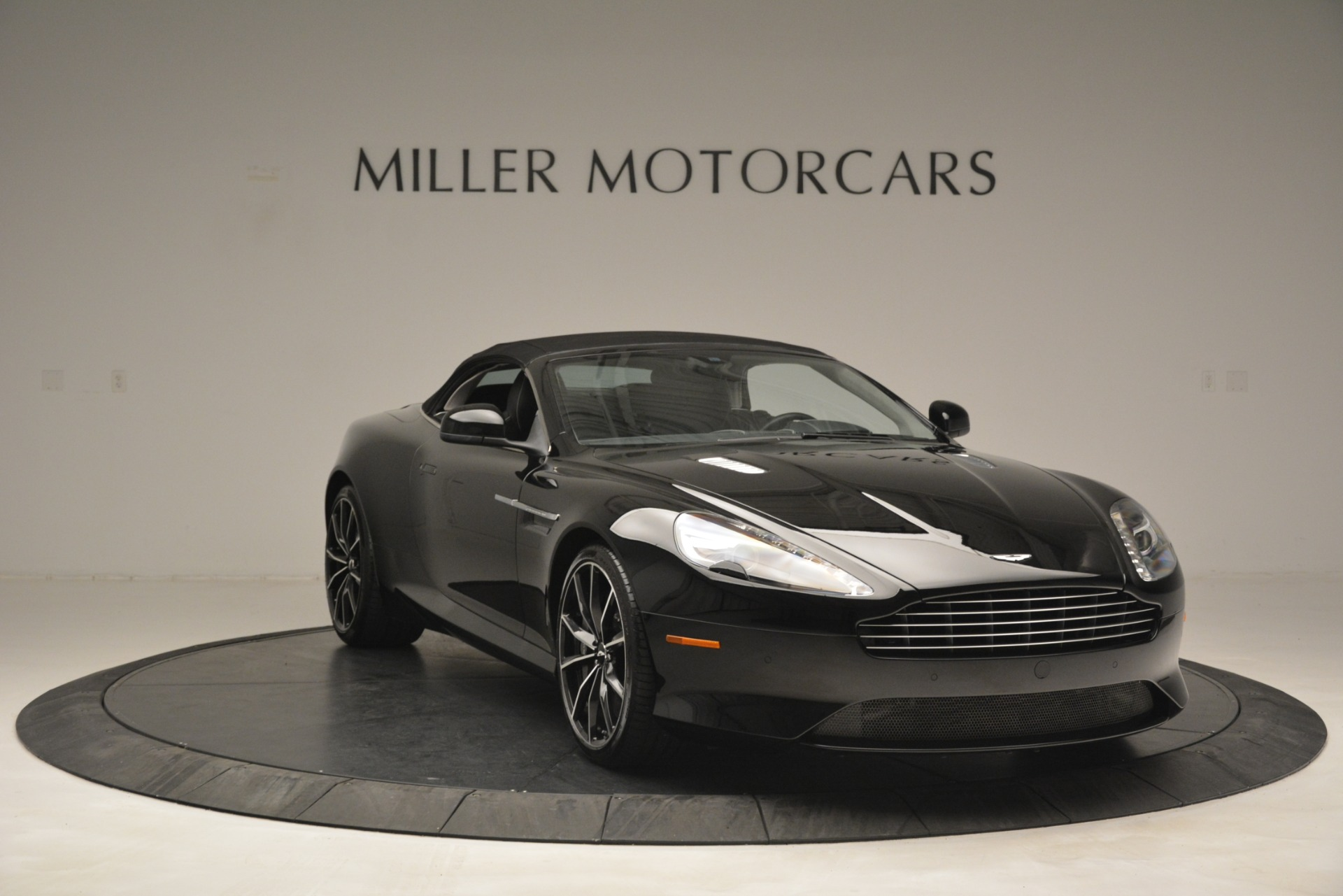 Used 2016 Aston Martin DB9 Convertible For Sale In Greenwich, CT 2971_p33