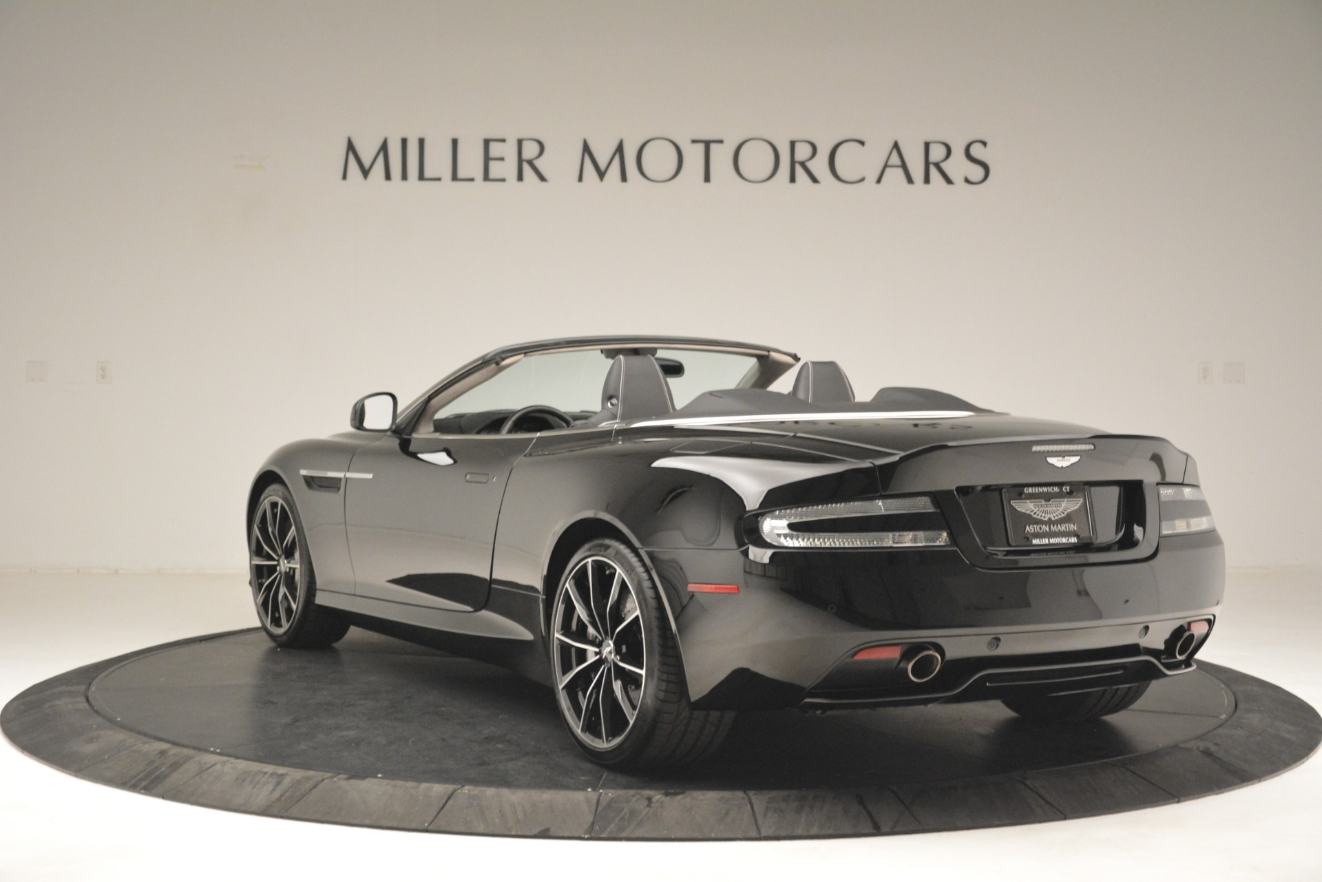 Used 2016 Aston Martin DB9 Convertible For Sale In Greenwich, CT 2971_p5