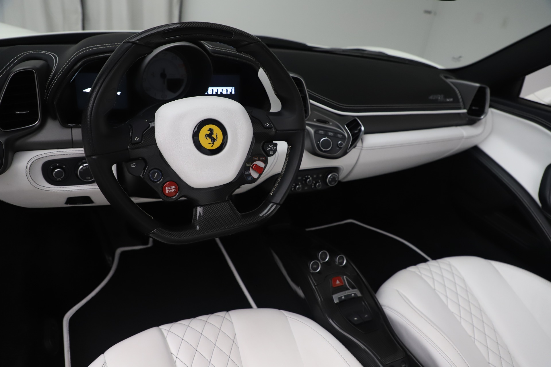 Used 2015 Ferrari 458 Spider  For Sale In Greenwich, CT 2979_p17