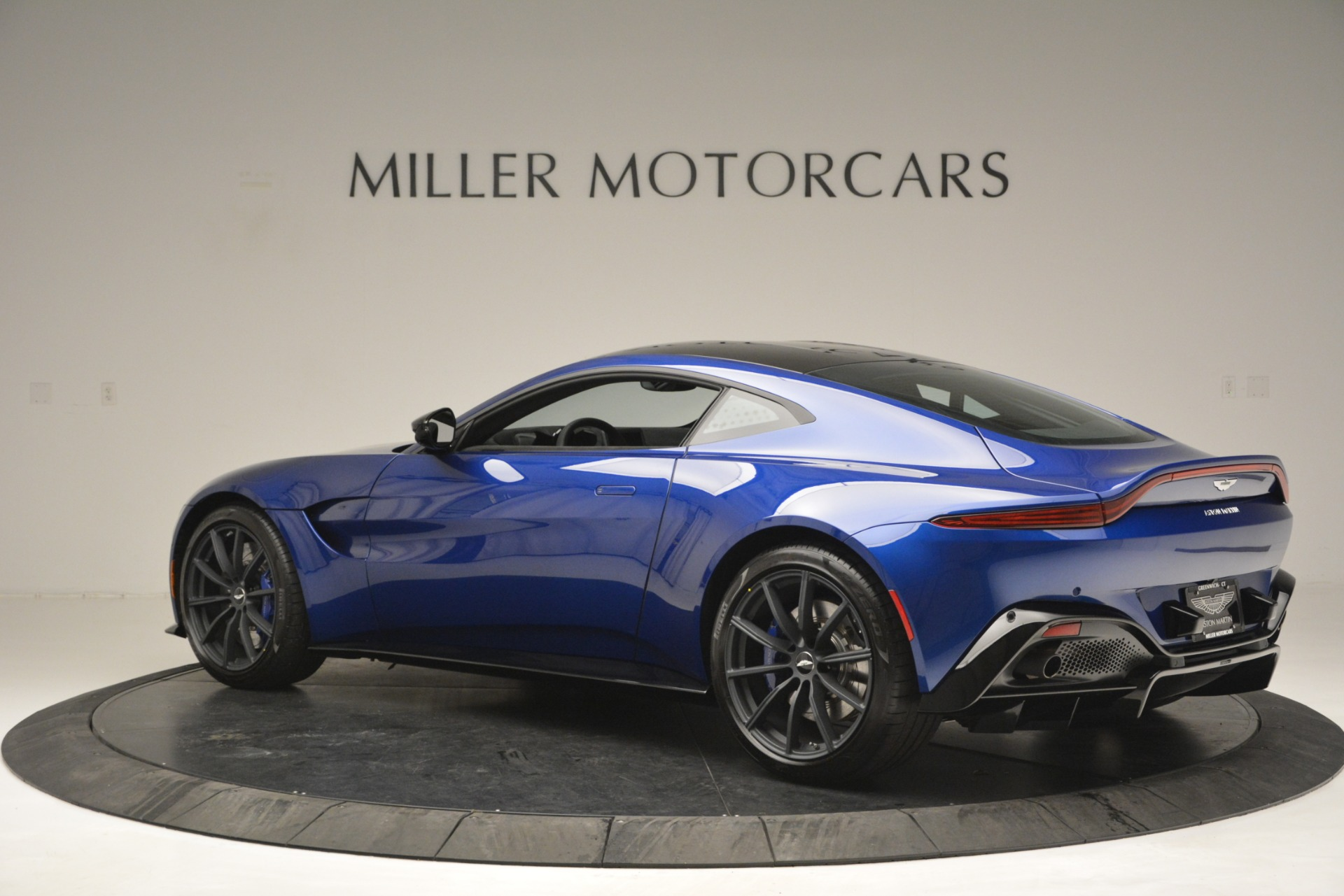 Used 2019 Aston Martin Vantage Coupe For Sale In Greenwich, CT 2981_p4