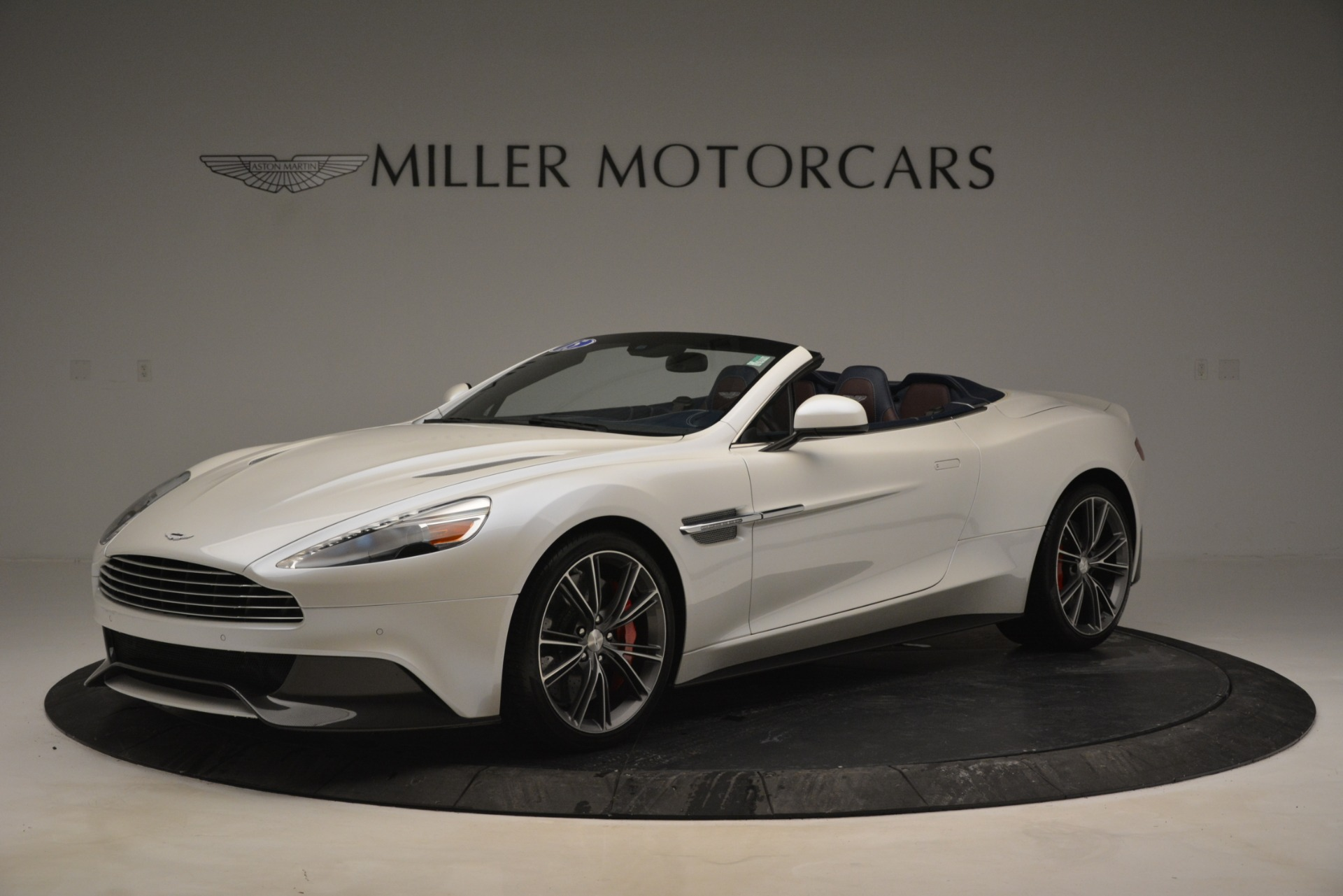 Used 2015 Aston Martin Vanquish Convertible For Sale In Greenwich, CT 2982_main