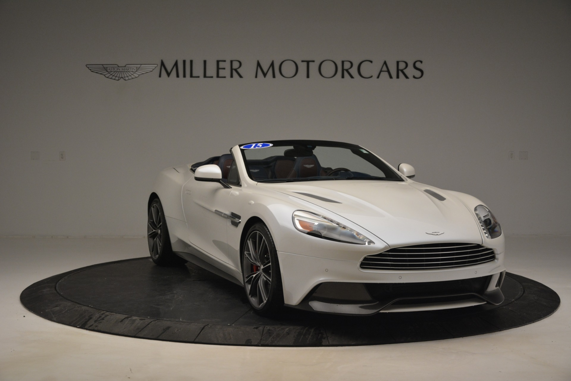 Used 2015 Aston Martin Vanquish Convertible For Sale In Greenwich, CT 2982_p11