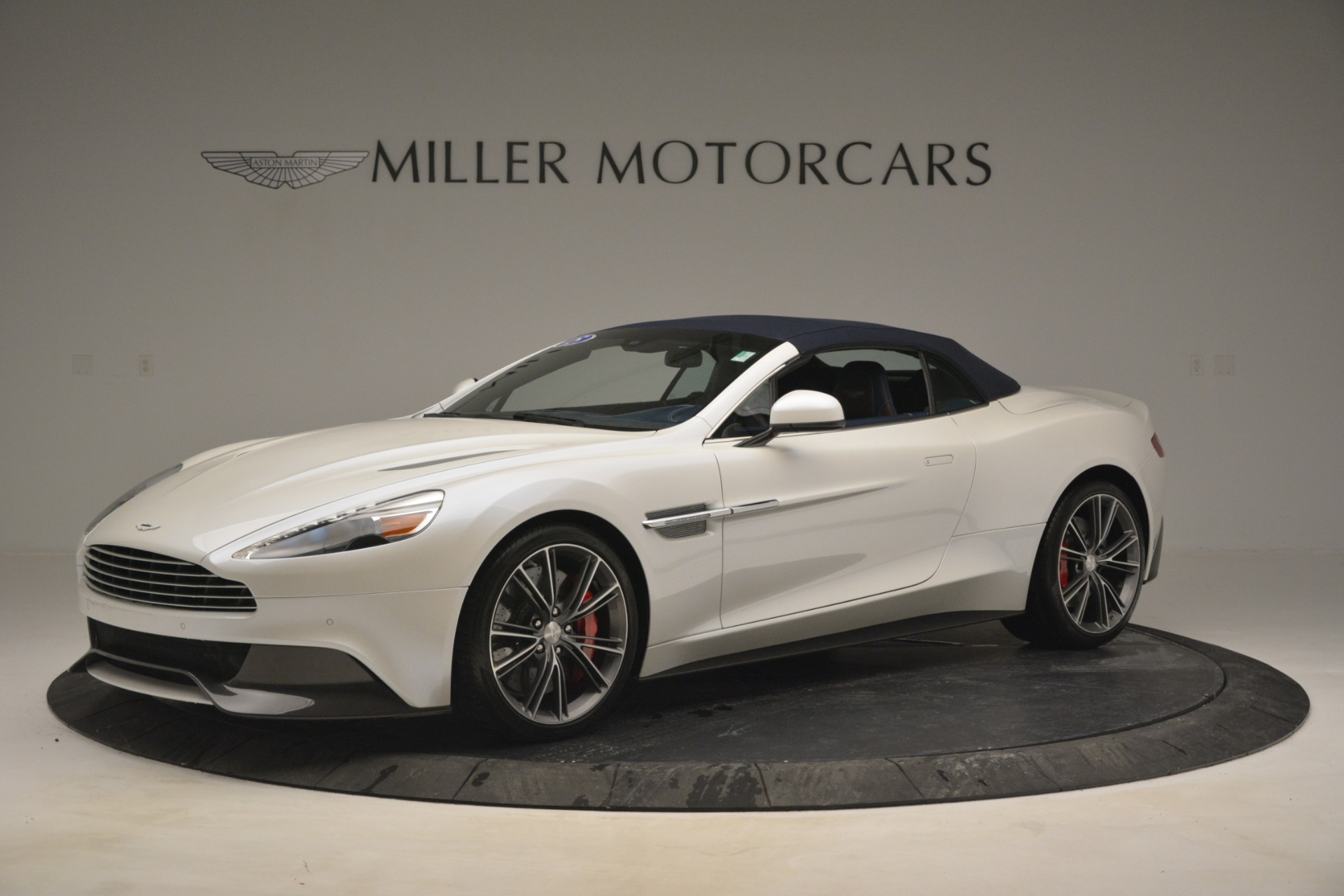 Used 2015 Aston Martin Vanquish Convertible For Sale In Greenwich, CT 2982_p15