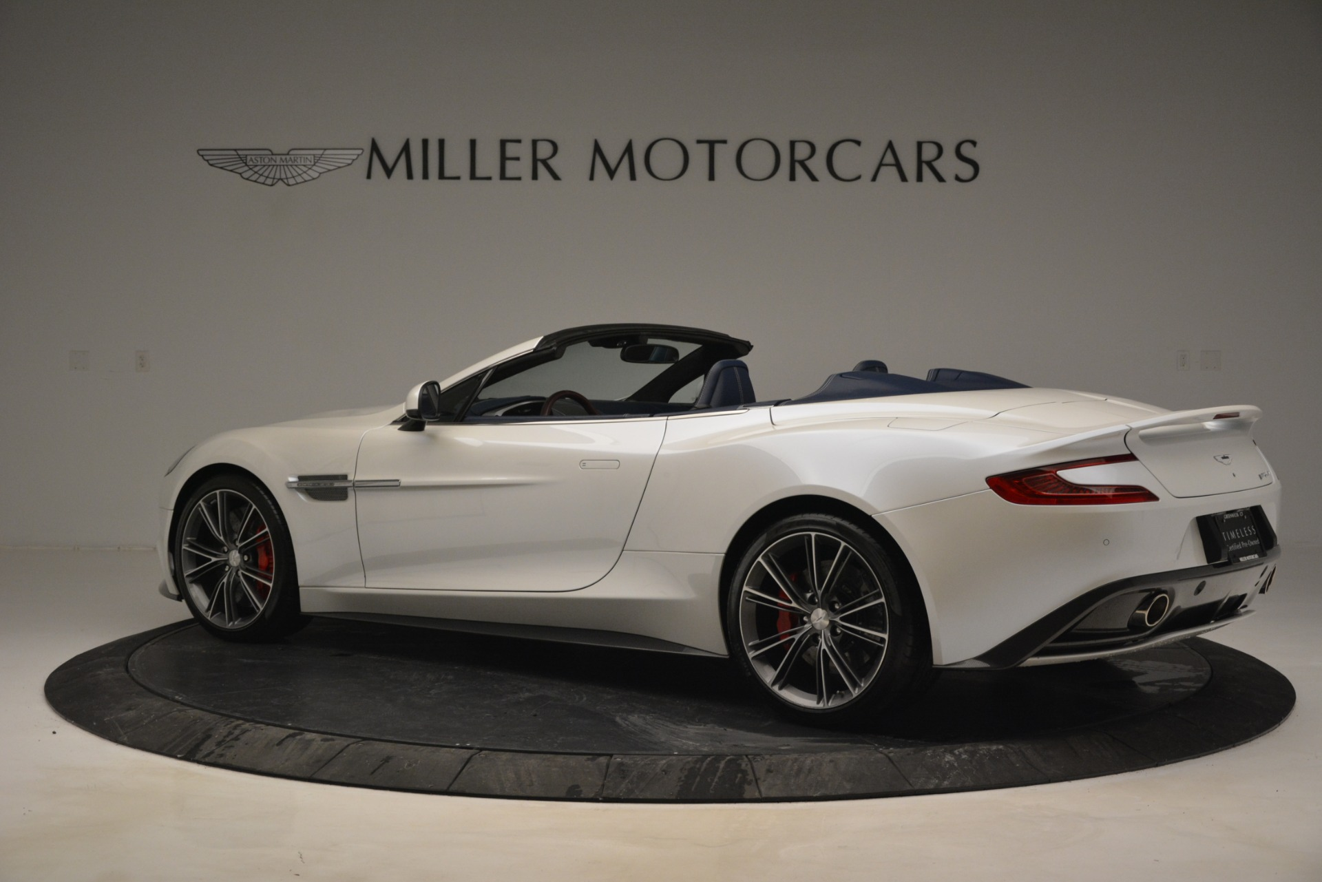 Used 2015 Aston Martin Vanquish Convertible For Sale In Greenwich, CT 2982_p4