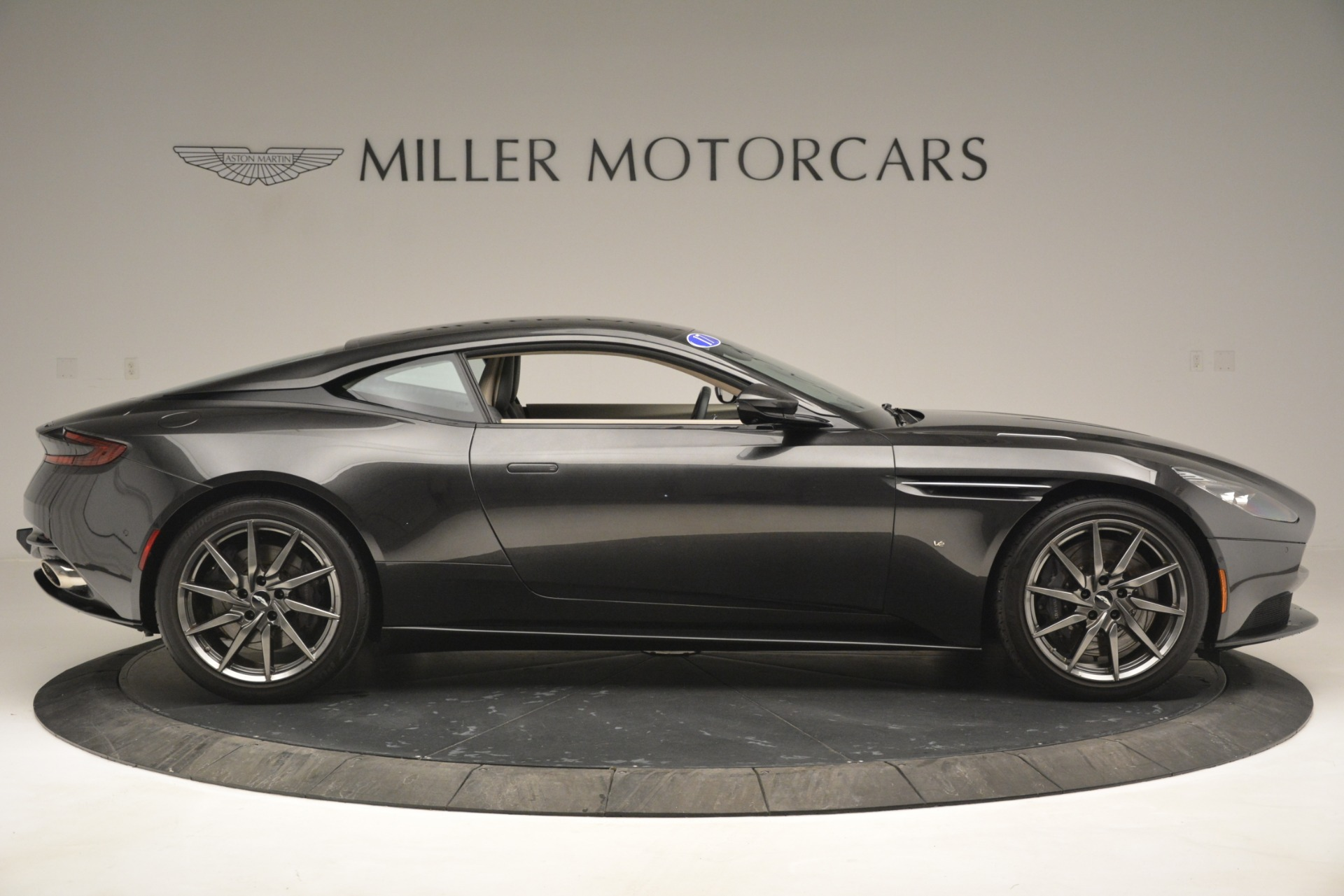 Used 2017 Aston Martin DB11 V12 Coupe For Sale In Greenwich, CT 2988_p9