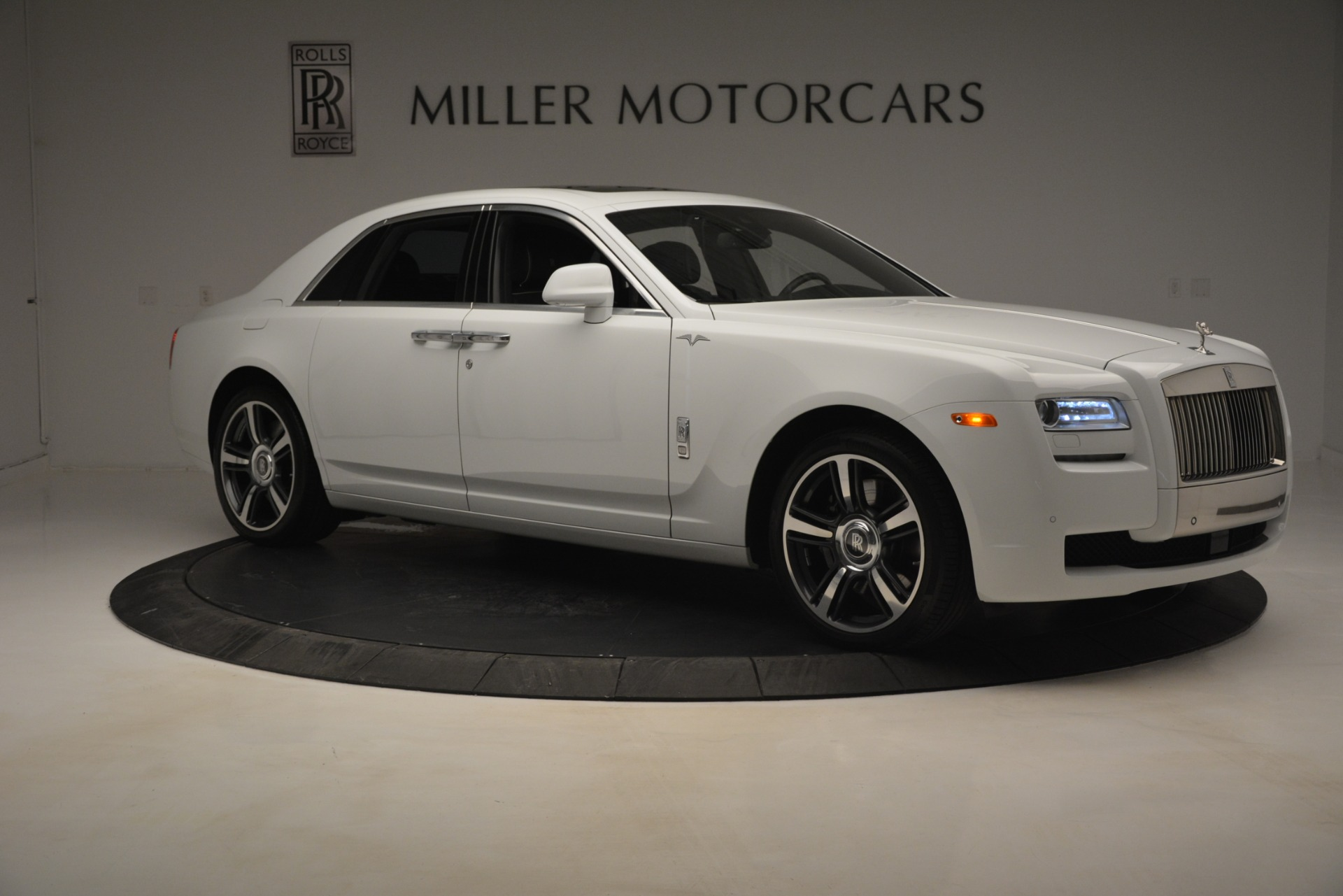 Used 2014 Rolls-Royce Ghost V-Spec For Sale In Greenwich, CT 2989_p10