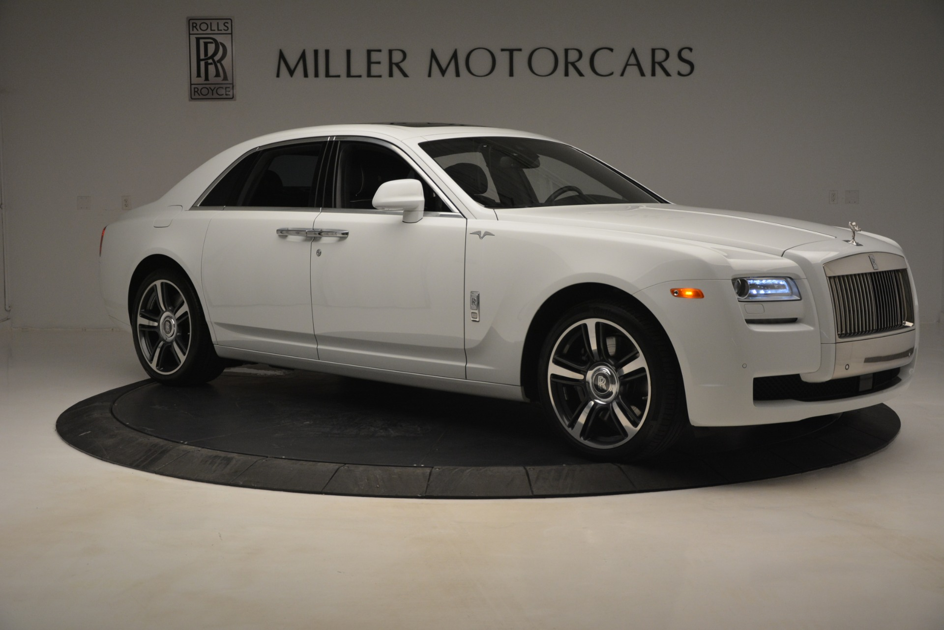 Used 2014 Rolls-Royce Ghost V-Spec For Sale In Greenwich, CT 2989_p12