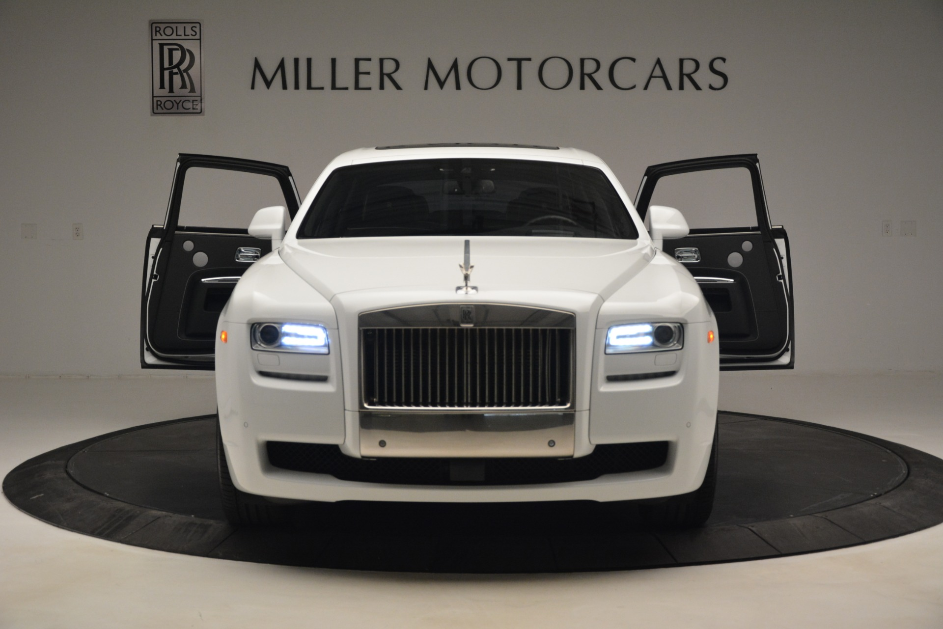 Used 2014 Rolls-Royce Ghost V-Spec For Sale In Greenwich, CT 2989_p13