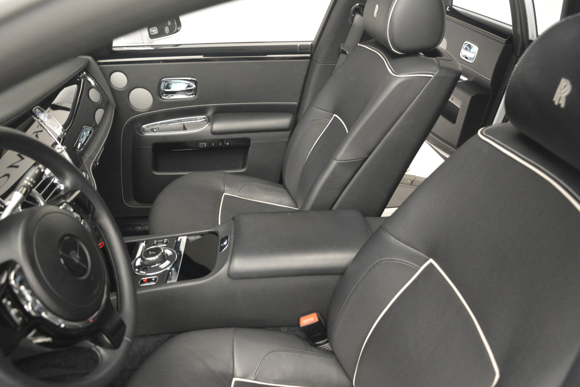 Used 2014 Rolls-Royce Ghost V-Spec For Sale In Greenwich, CT 2989_p17