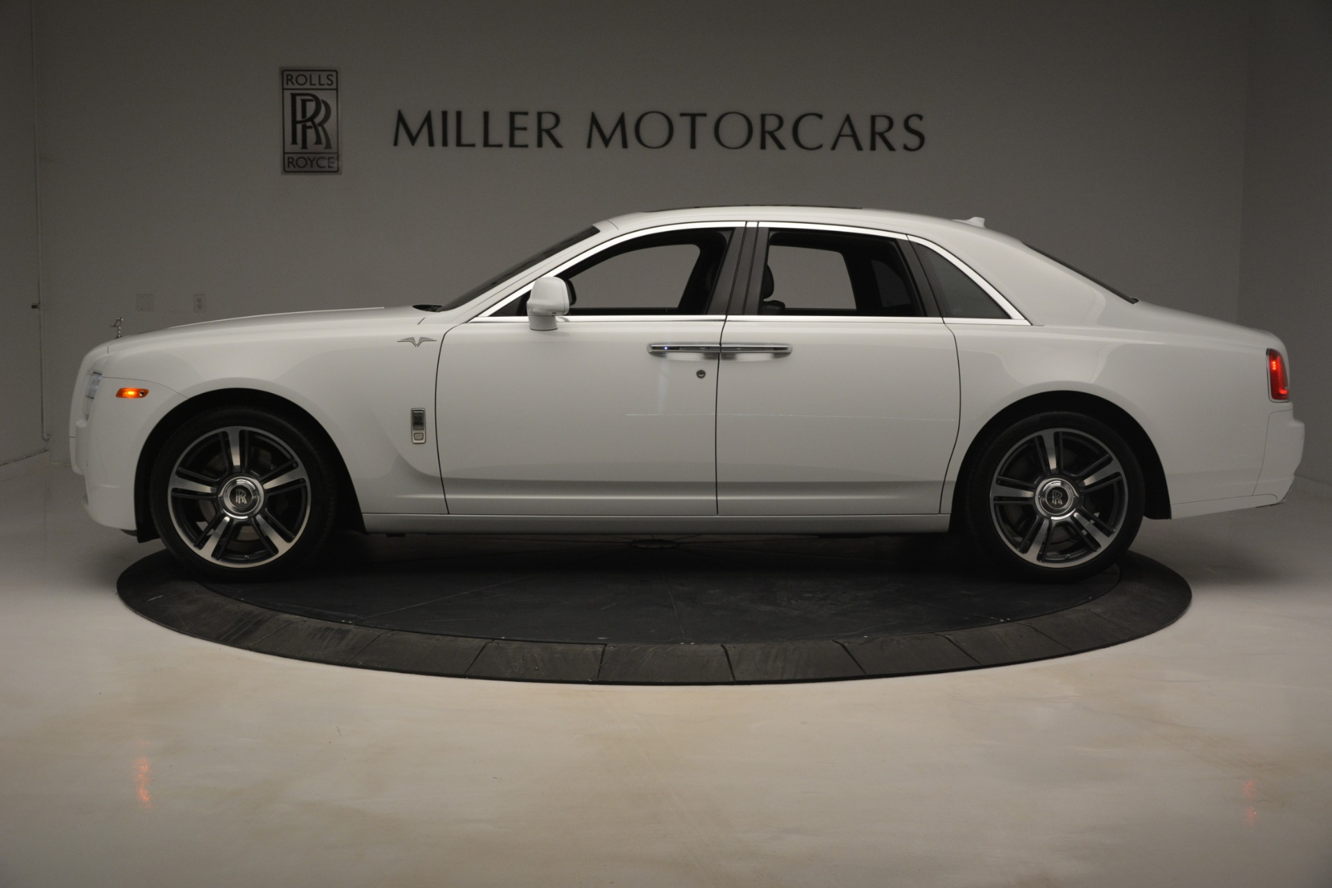 Used 2014 Rolls-Royce Ghost V-Spec For Sale In Greenwich, CT 2989_p4