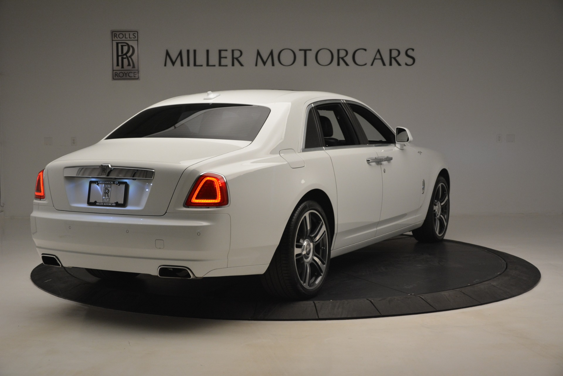 Used 2014 Rolls-Royce Ghost V-Spec For Sale In Greenwich, CT 2989_p8