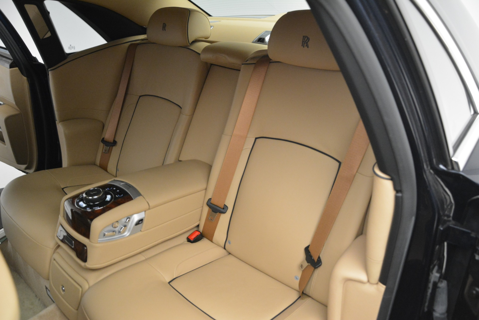 Used 2014 Rolls-Royce Ghost  For Sale In Greenwich, CT 2990_p21