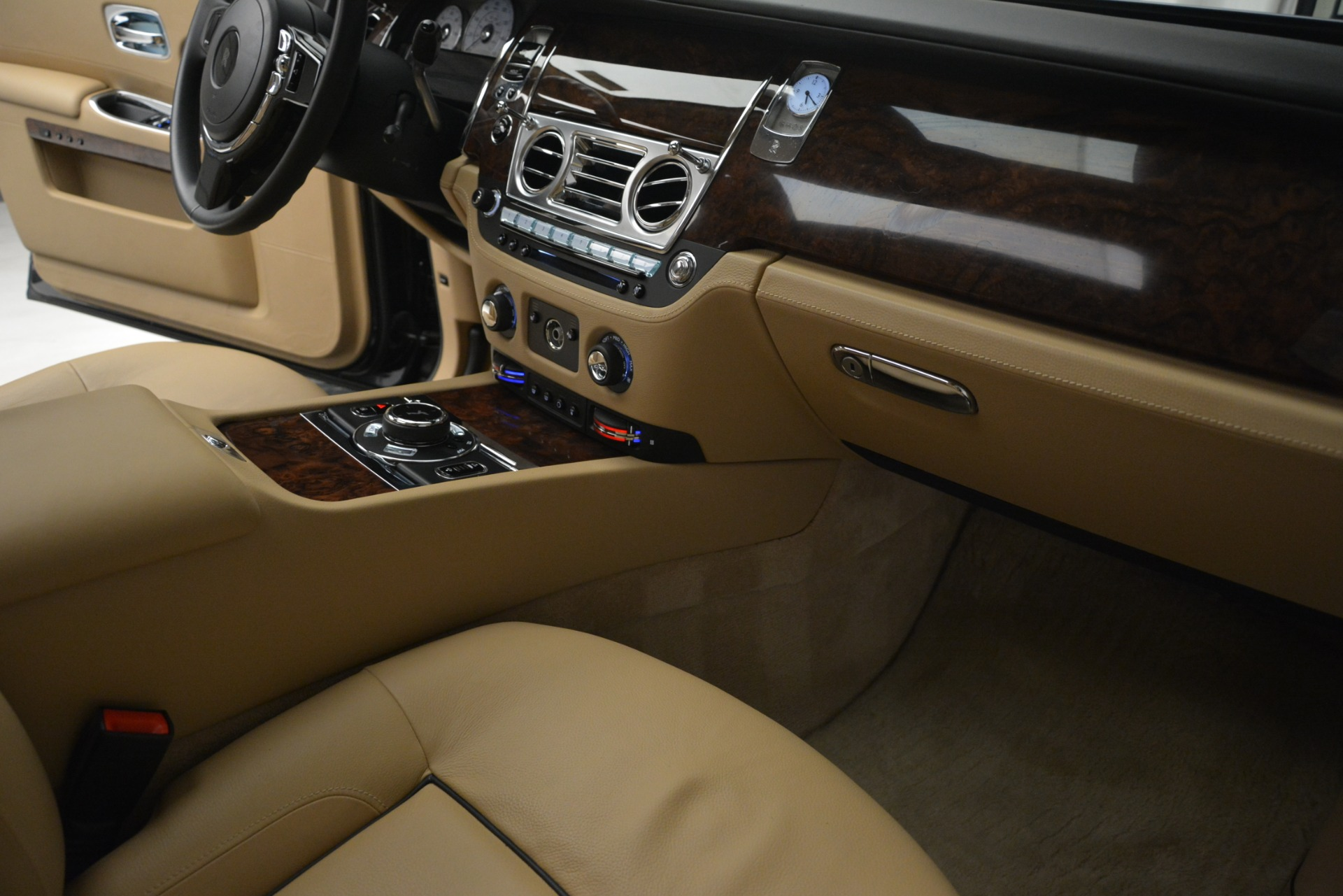 Used 2014 Rolls-Royce Ghost  For Sale In Greenwich, CT 2990_p26