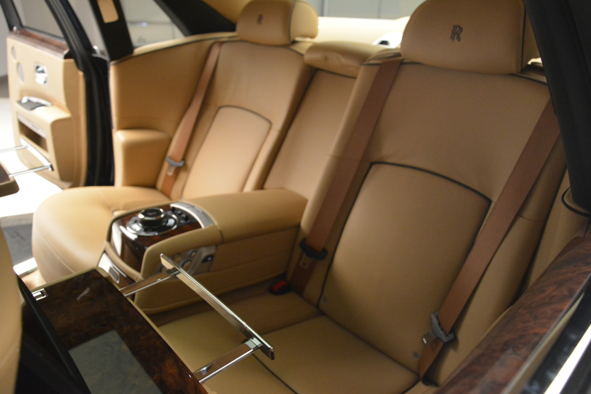 Used 2014 Rolls-Royce Ghost  For Sale In Greenwich, CT 2990_p32