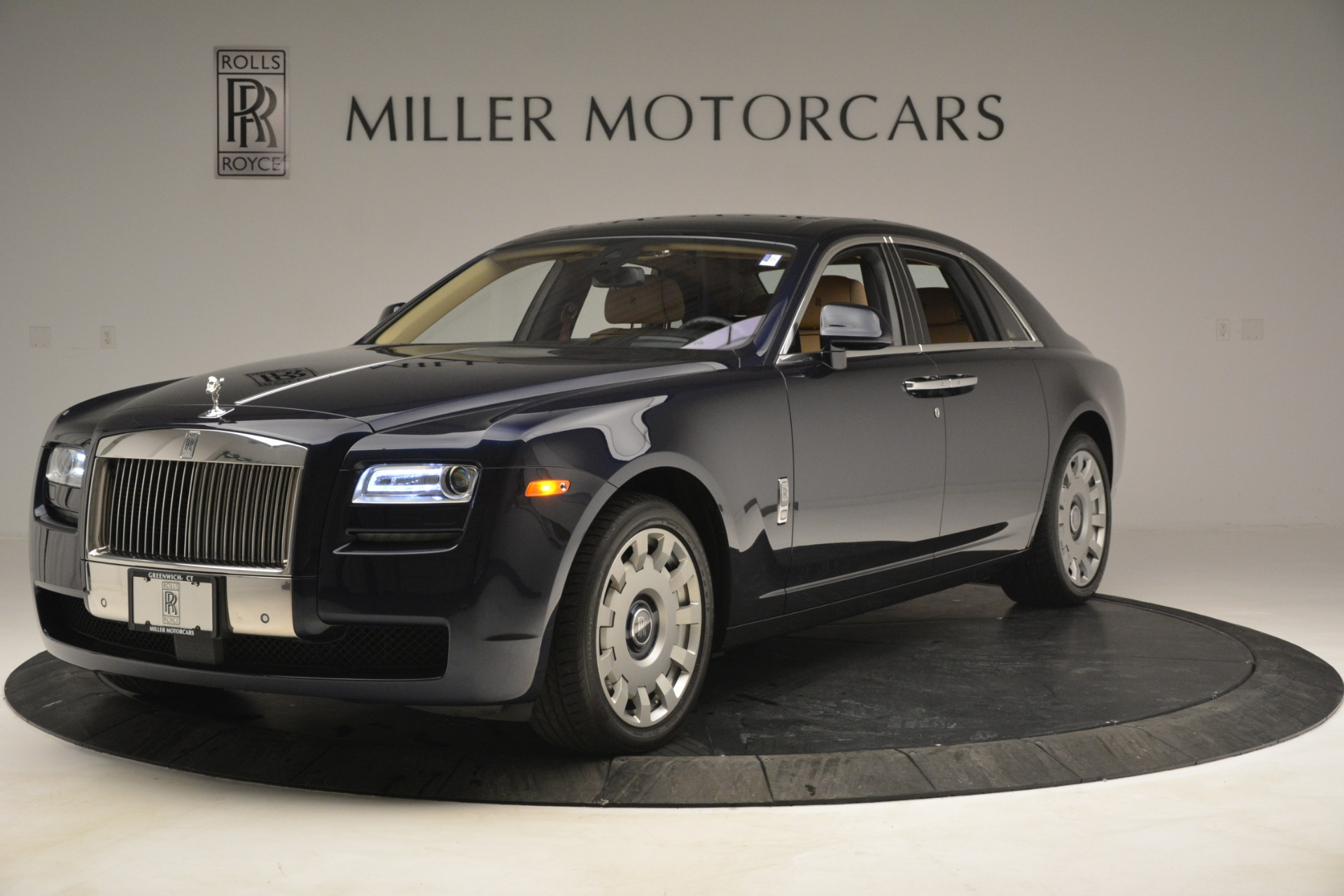 Used 2014 Rolls-Royce Ghost  For Sale In Greenwich, CT 2990_p3