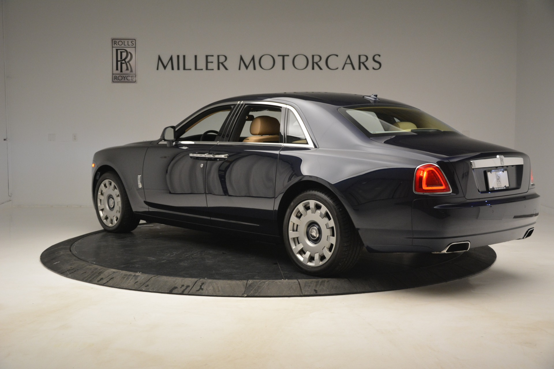 Used 2014 Rolls-Royce Ghost  For Sale In Greenwich, CT 2990_p5