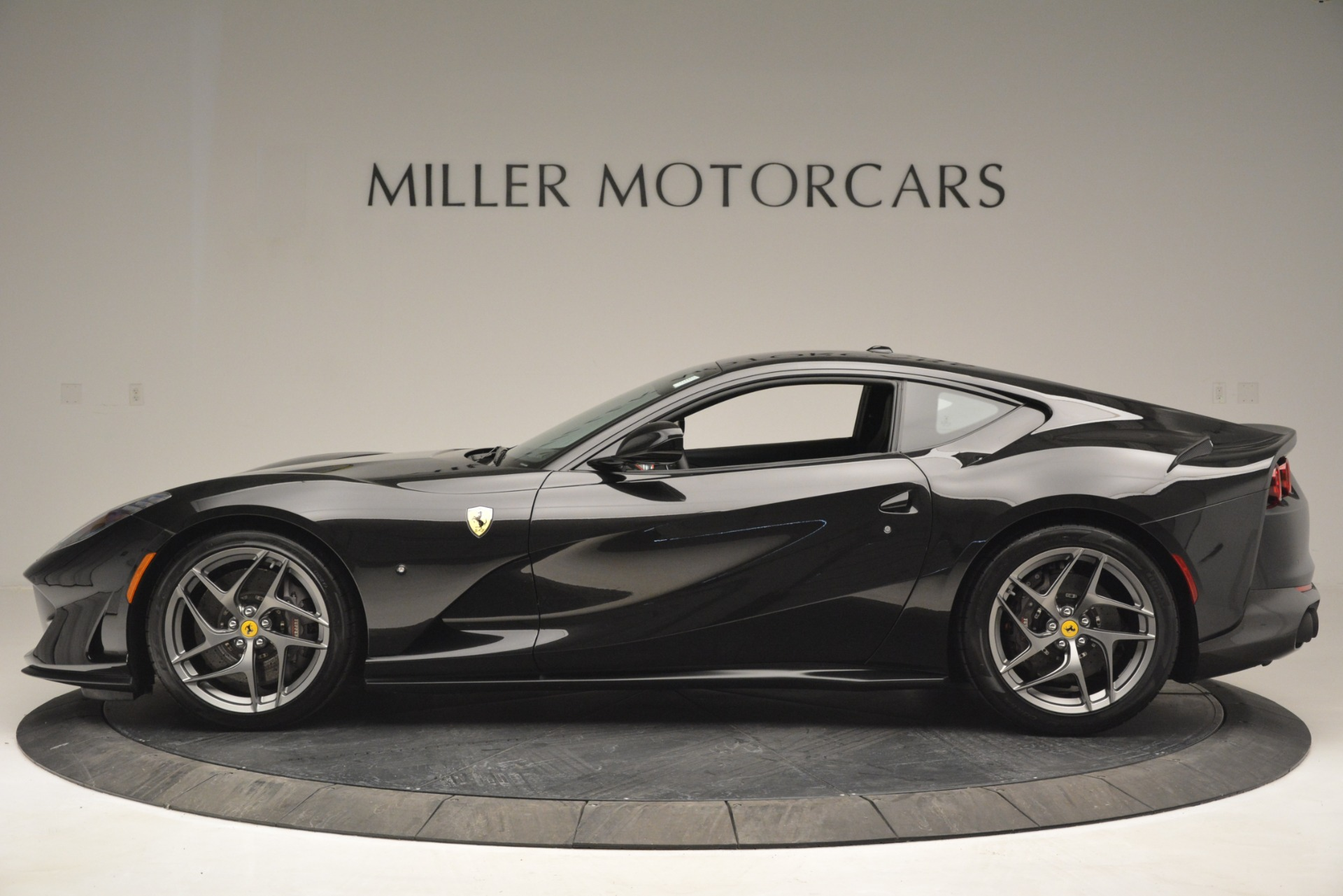 Used 2018 Ferrari 812 Superfast  For Sale In Greenwich, CT 2992_p3