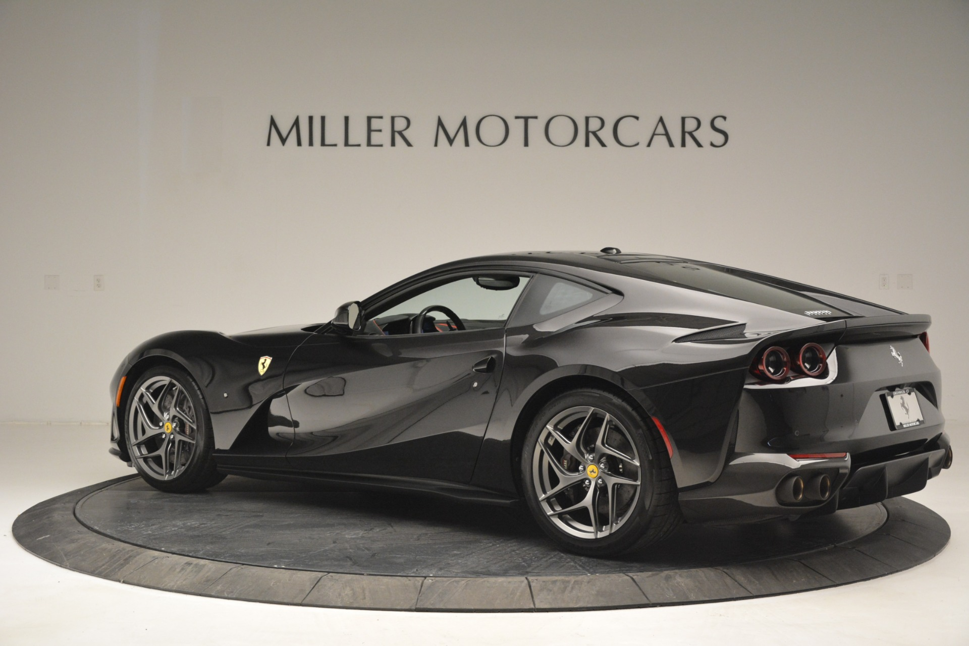 Used 2018 Ferrari 812 Superfast  For Sale In Greenwich, CT 2992_p4