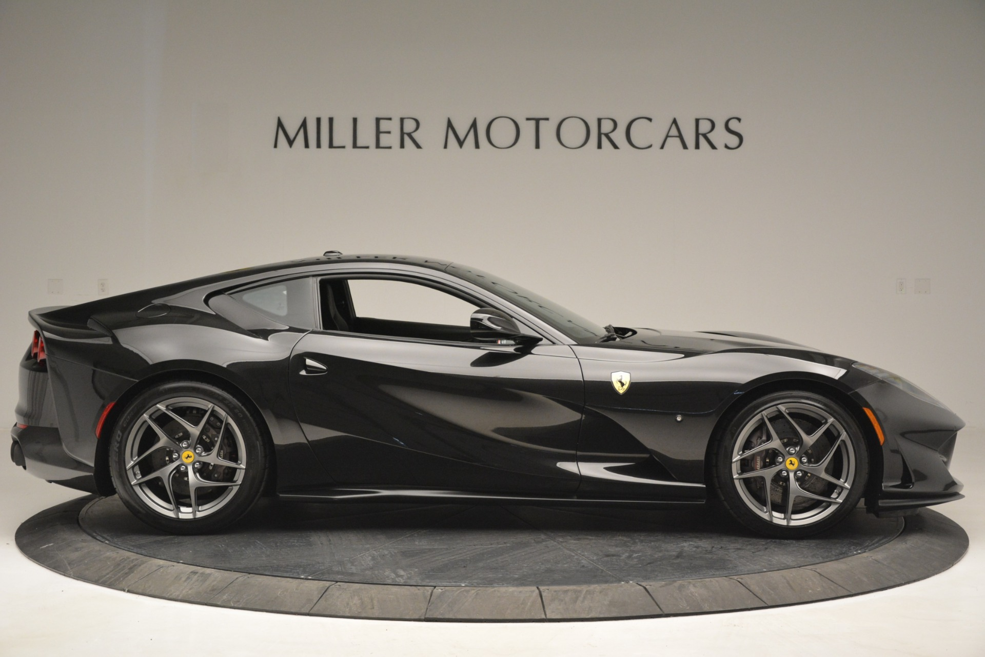 Used 2018 Ferrari 812 Superfast  For Sale In Greenwich, CT 2992_p9