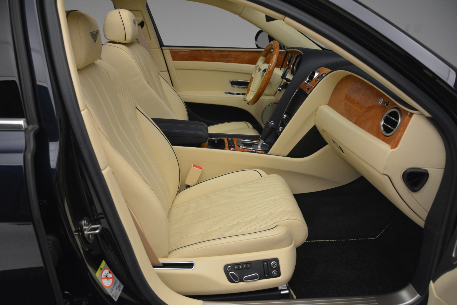 Used 2015 Bentley Flying Spur V8 For Sale In Greenwich, CT 2997_p30