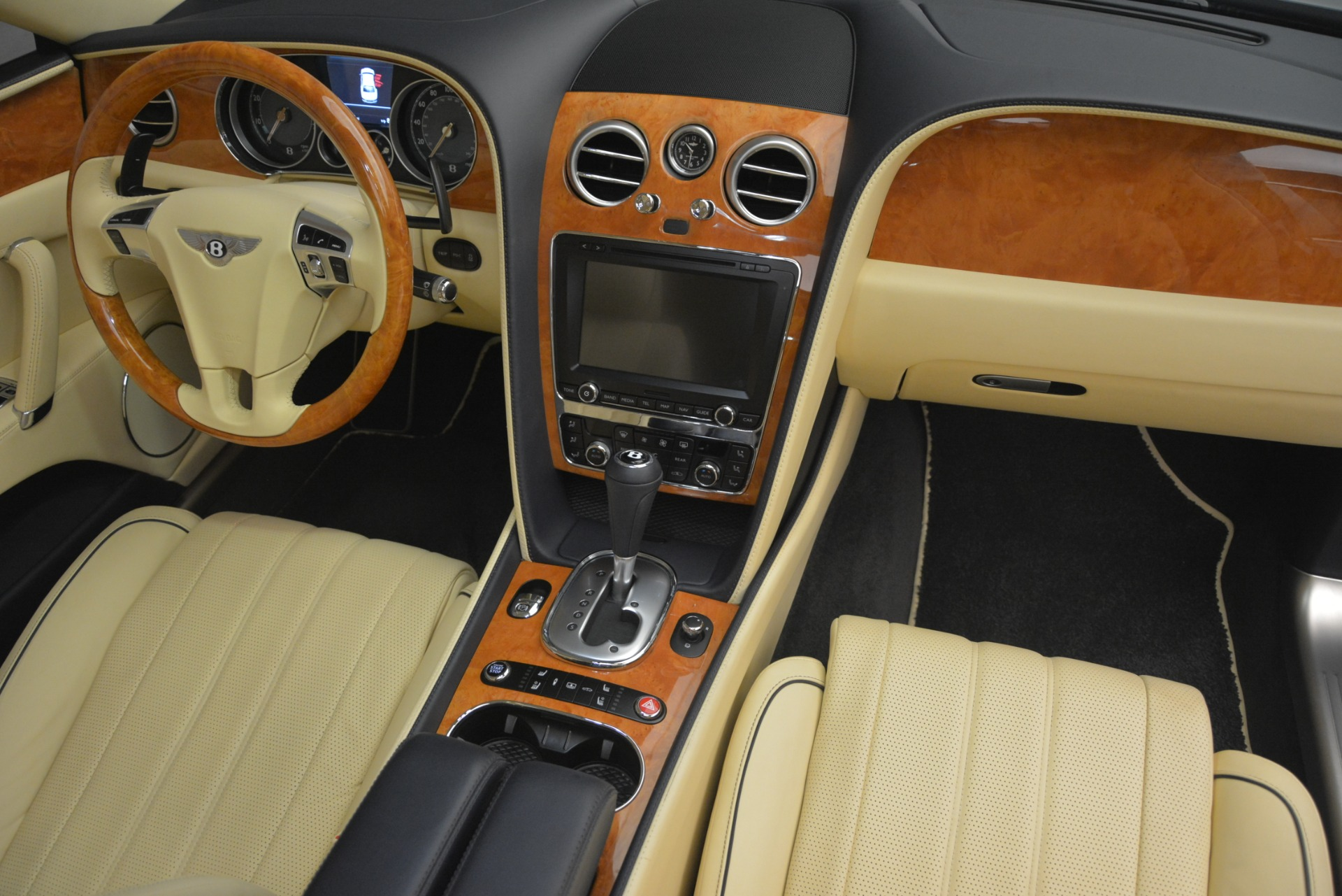 Used 2015 Bentley Flying Spur V8 For Sale In Greenwich, CT 2997_p32