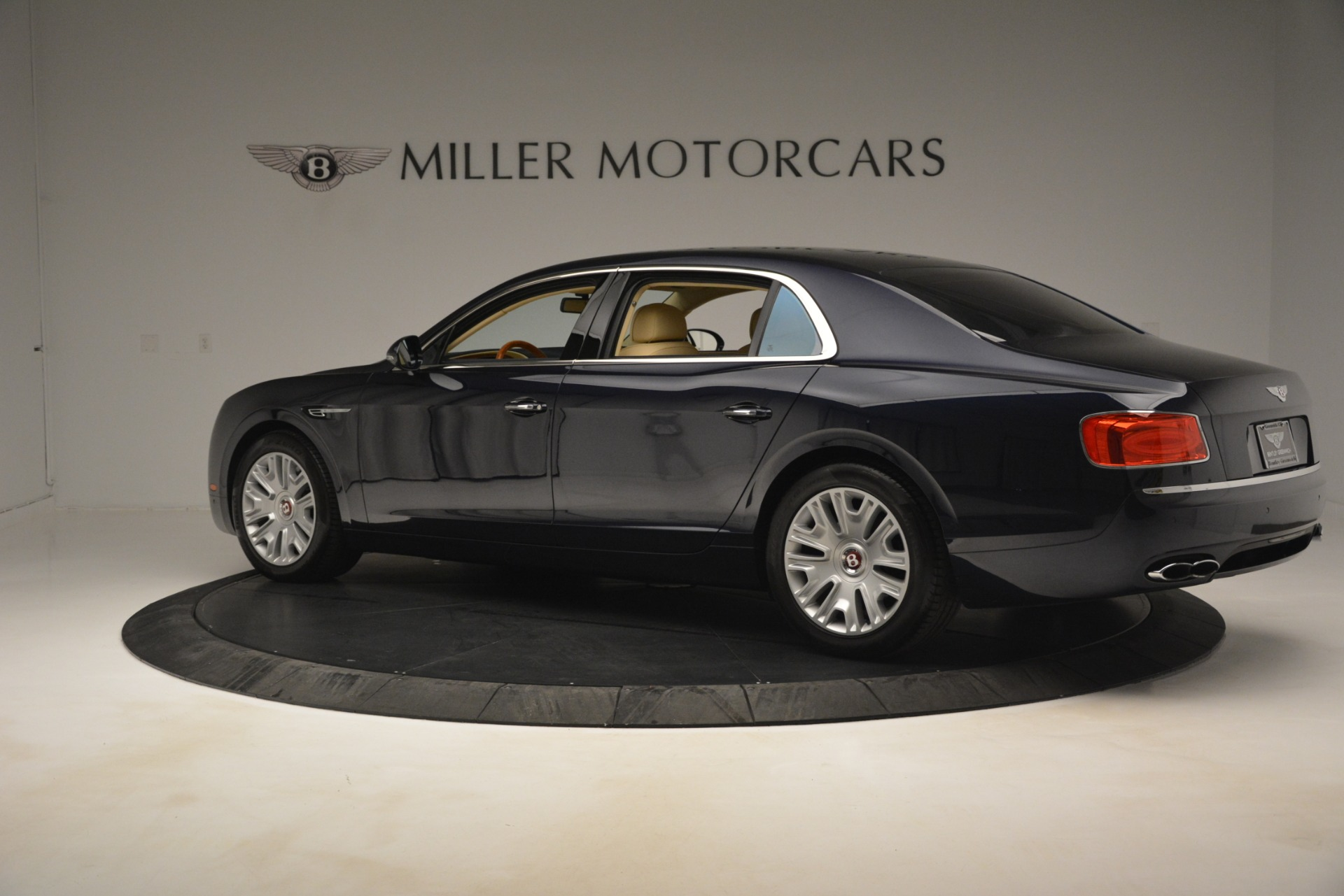Used 2015 Bentley Flying Spur V8 For Sale In Greenwich, CT 2997_p4