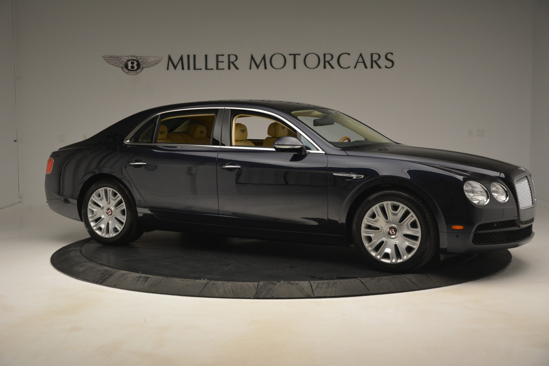 Used 2015 Bentley Flying Spur V8 For Sale In Greenwich, CT 2997_p9