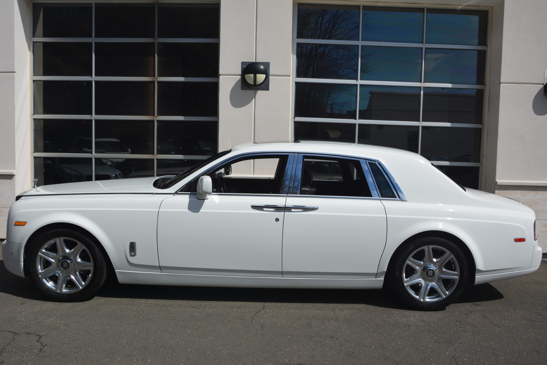 Used 2014 Rolls-Royce Phantom  For Sale In Greenwich, CT 2998_p4